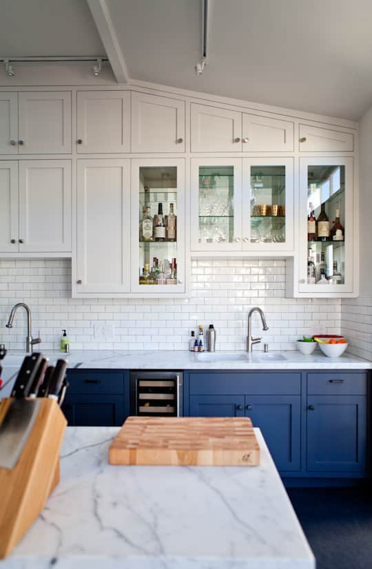 20 Paint Colors We Love in the Kitchen: gallery image 11