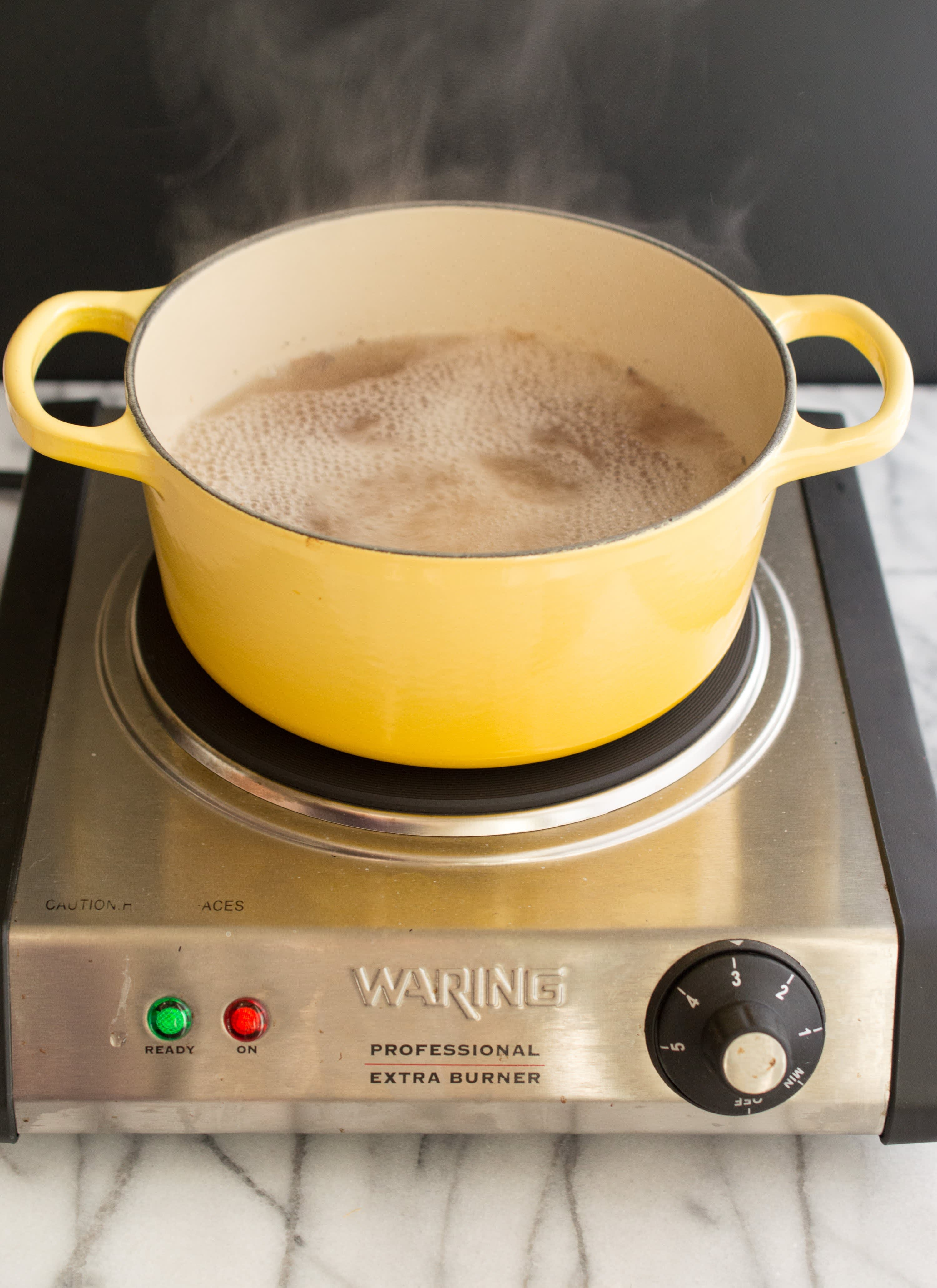 How To Clean Burnt-On Stains Off Enameled Cookware: gallery image 8