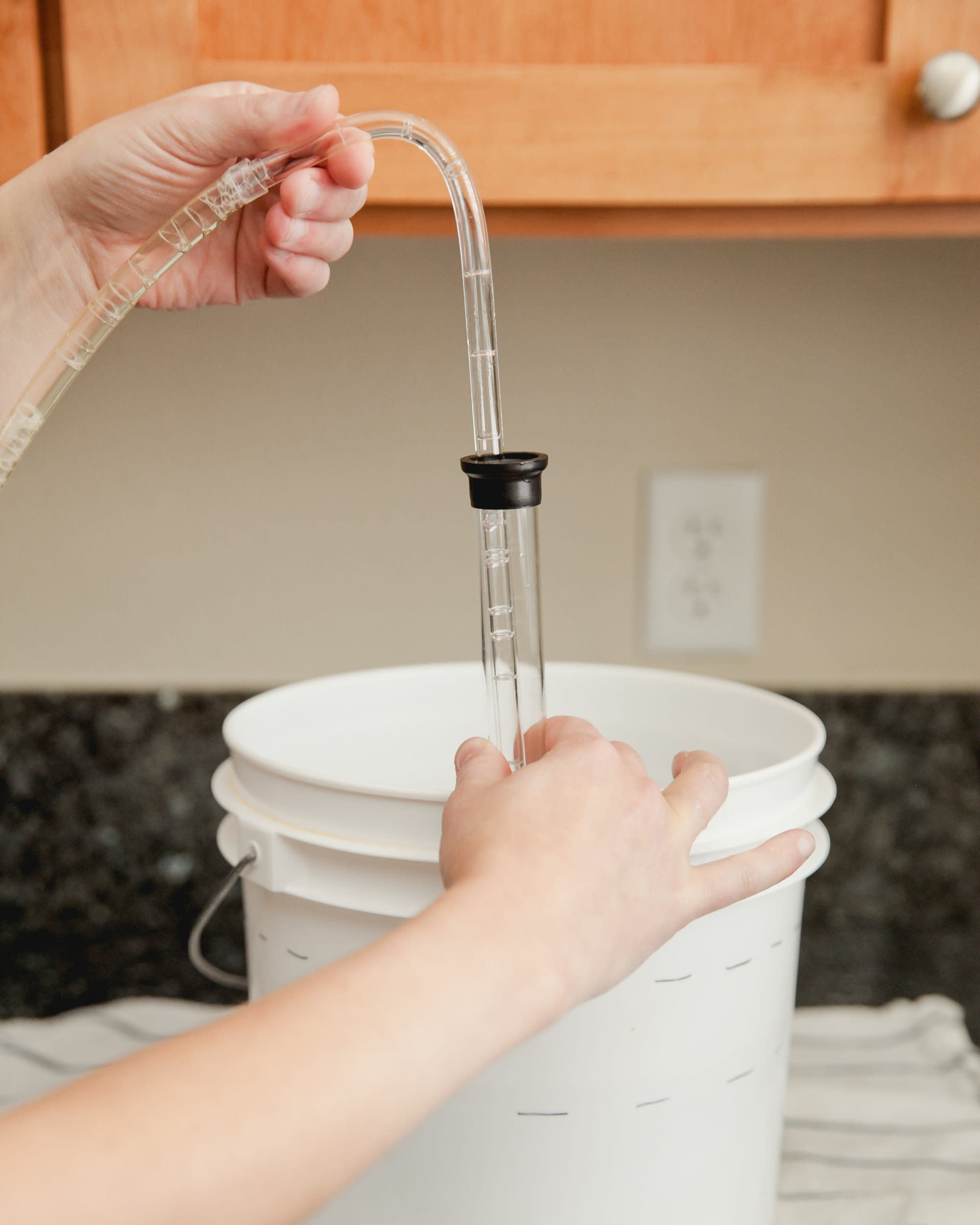 How to Transfer and Siphon Beer: gallery image 9