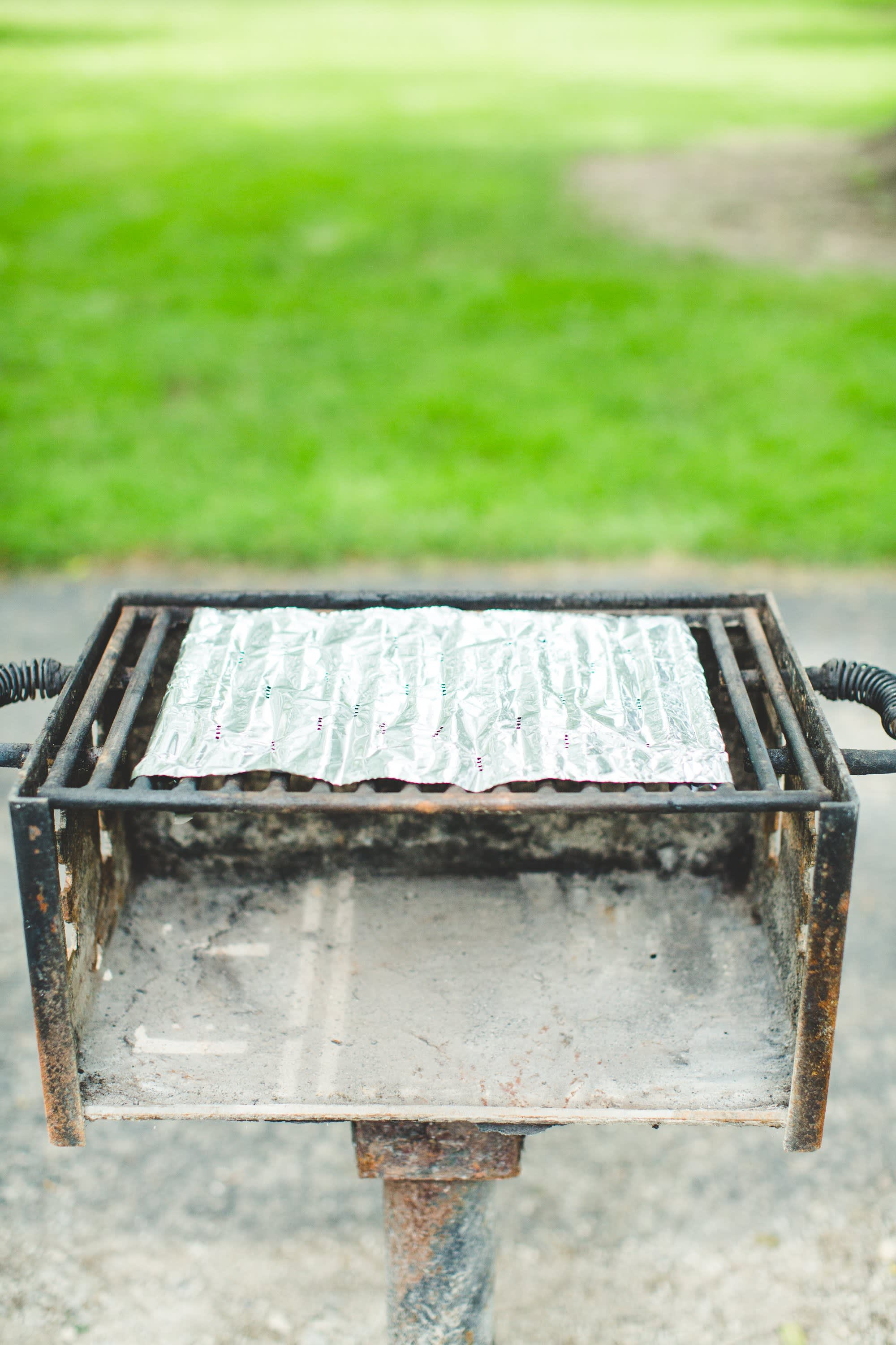 How To Clean a Charcoal Grill: gallery image 5