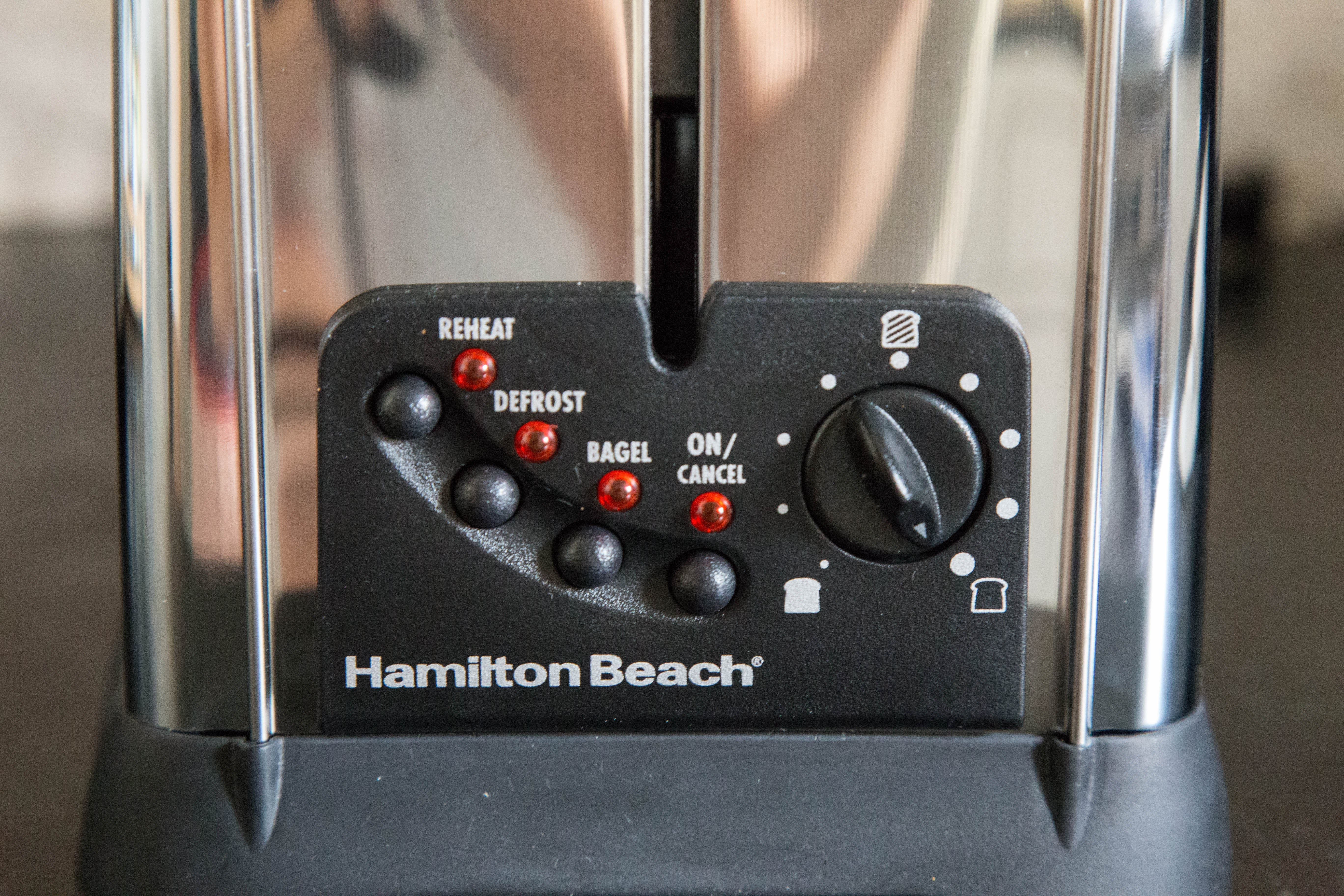 This Hamilton Beach Toaster Is All About Low-and-Slow Toasting: gallery image 3