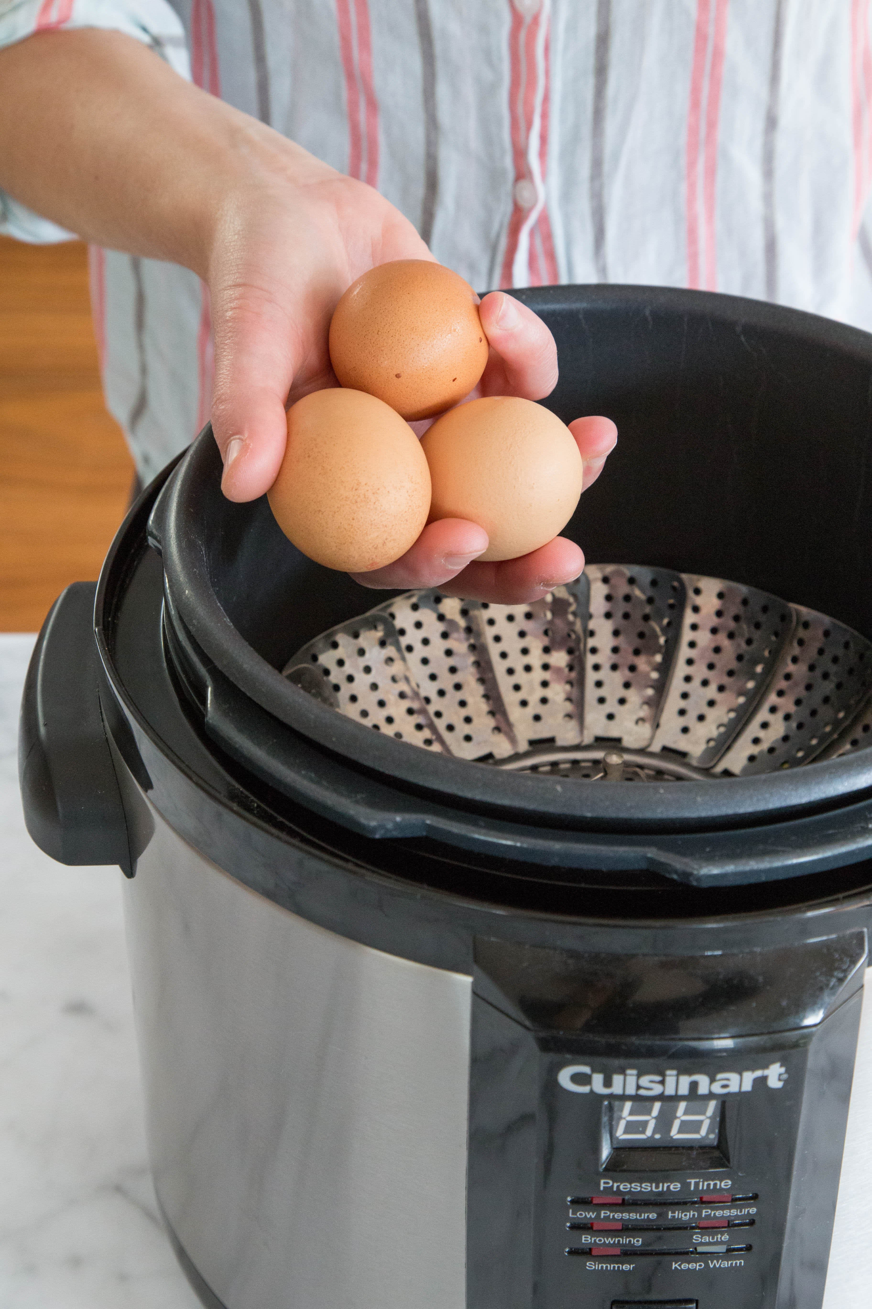 How To Cook Eggs in an Electric Pressure Cooker: gallery image 2