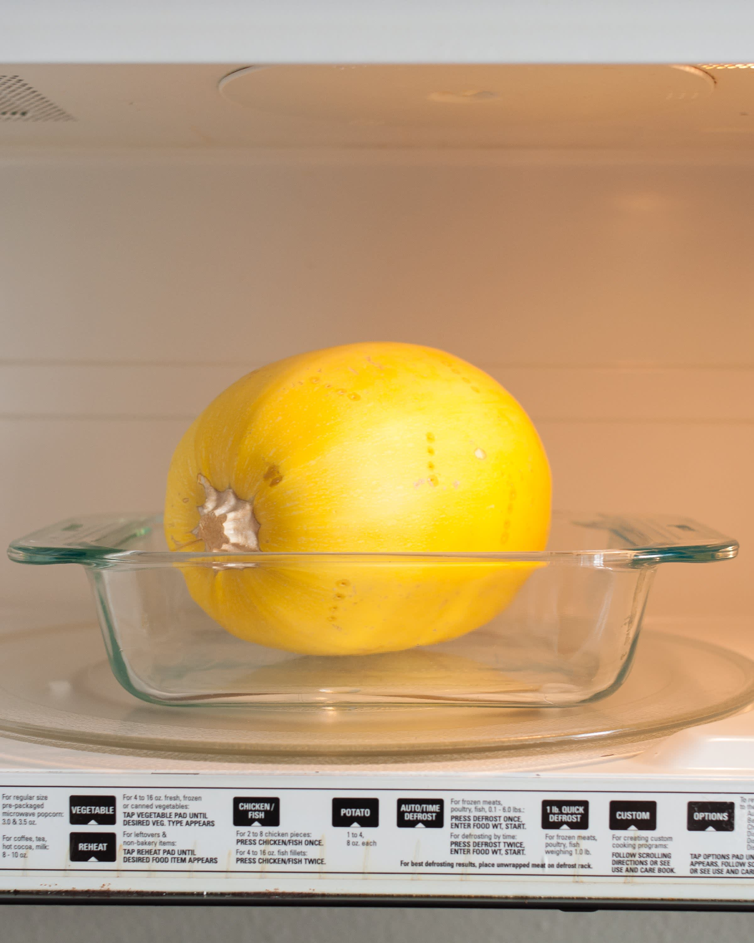 How To Cook Spaghetti Squash in the Microwave: gallery image 4
