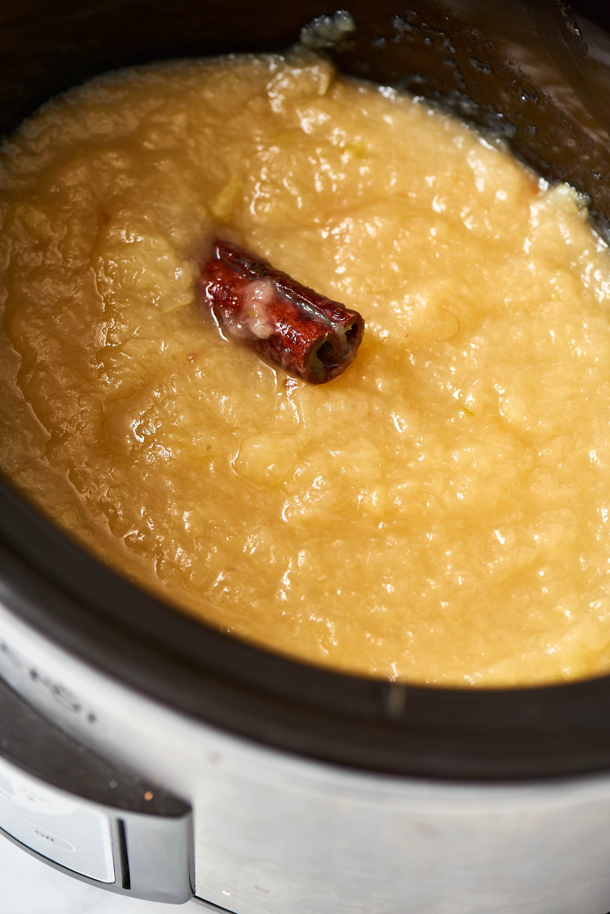 How To Make Applesauce in the Slow Cooker