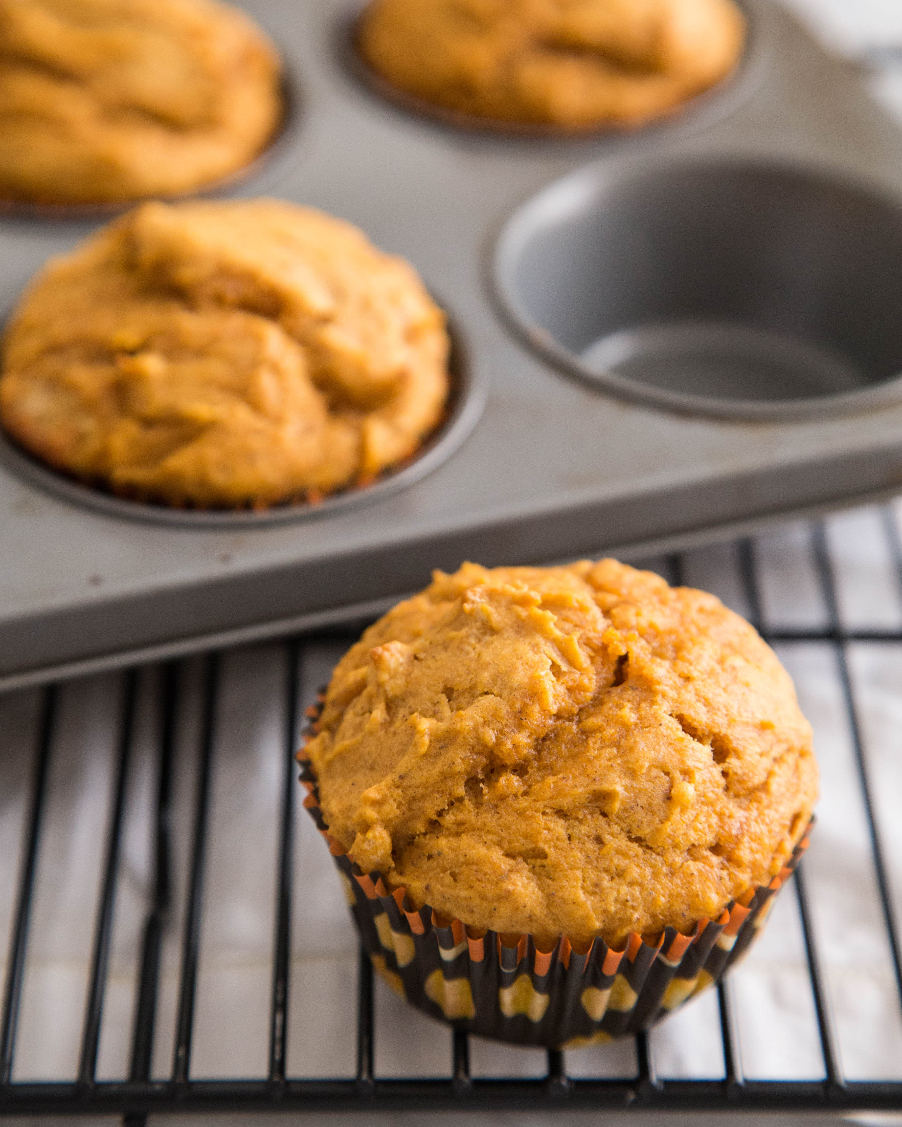 How To Make Perfect Pumpkin Muffins: gallery image 10