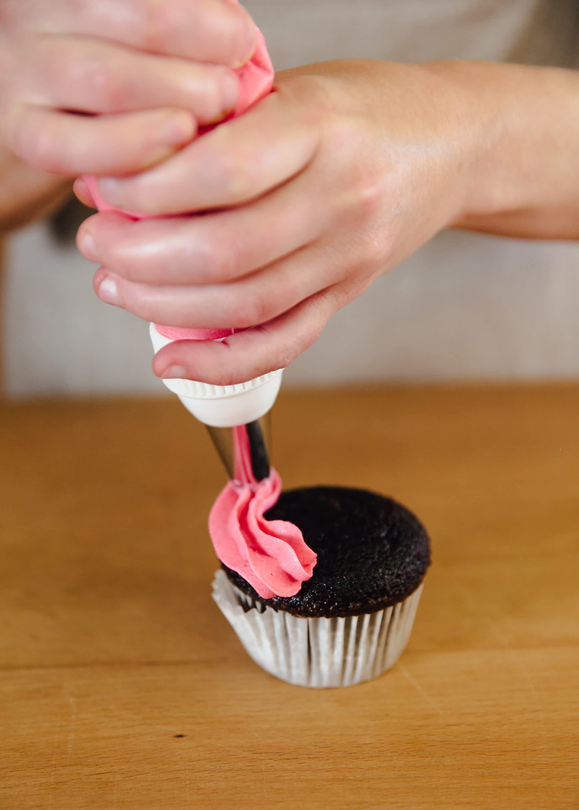 How To Use a Piping Bag: gallery image 12