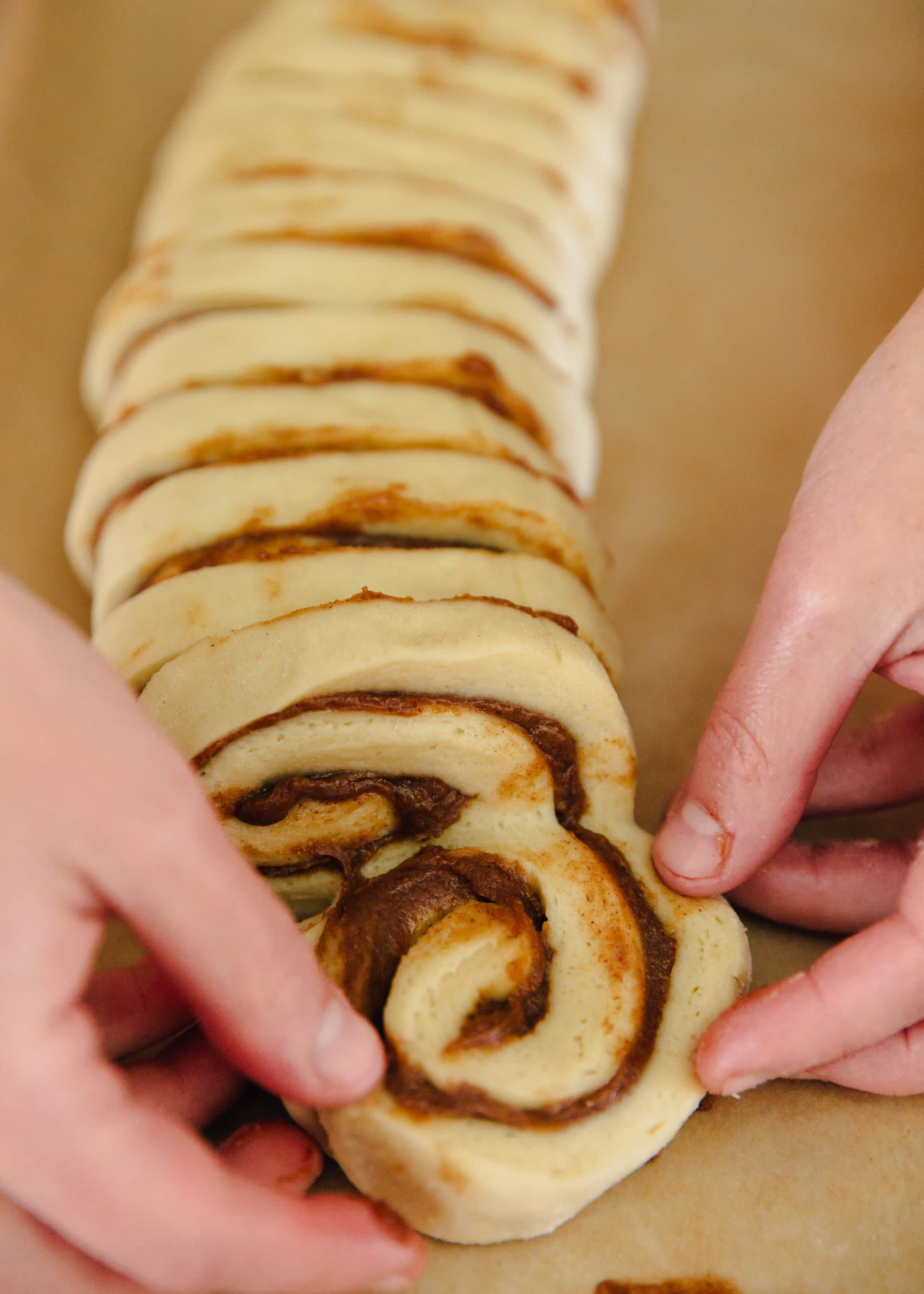 How To Make a Cinnamon Roll Wreath: gallery image 5