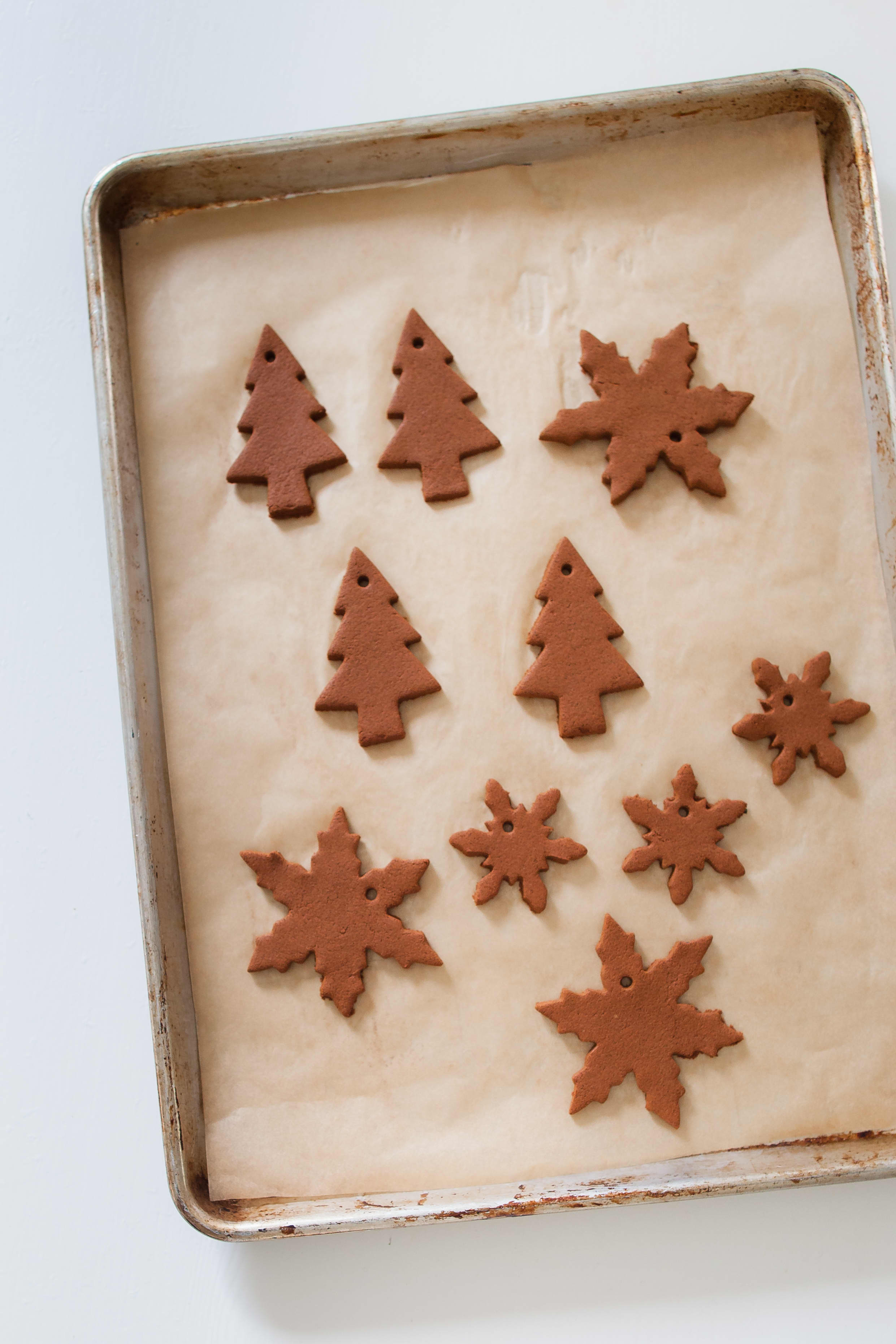 How To Make Cinnamon Dough Ornaments: gallery image 11