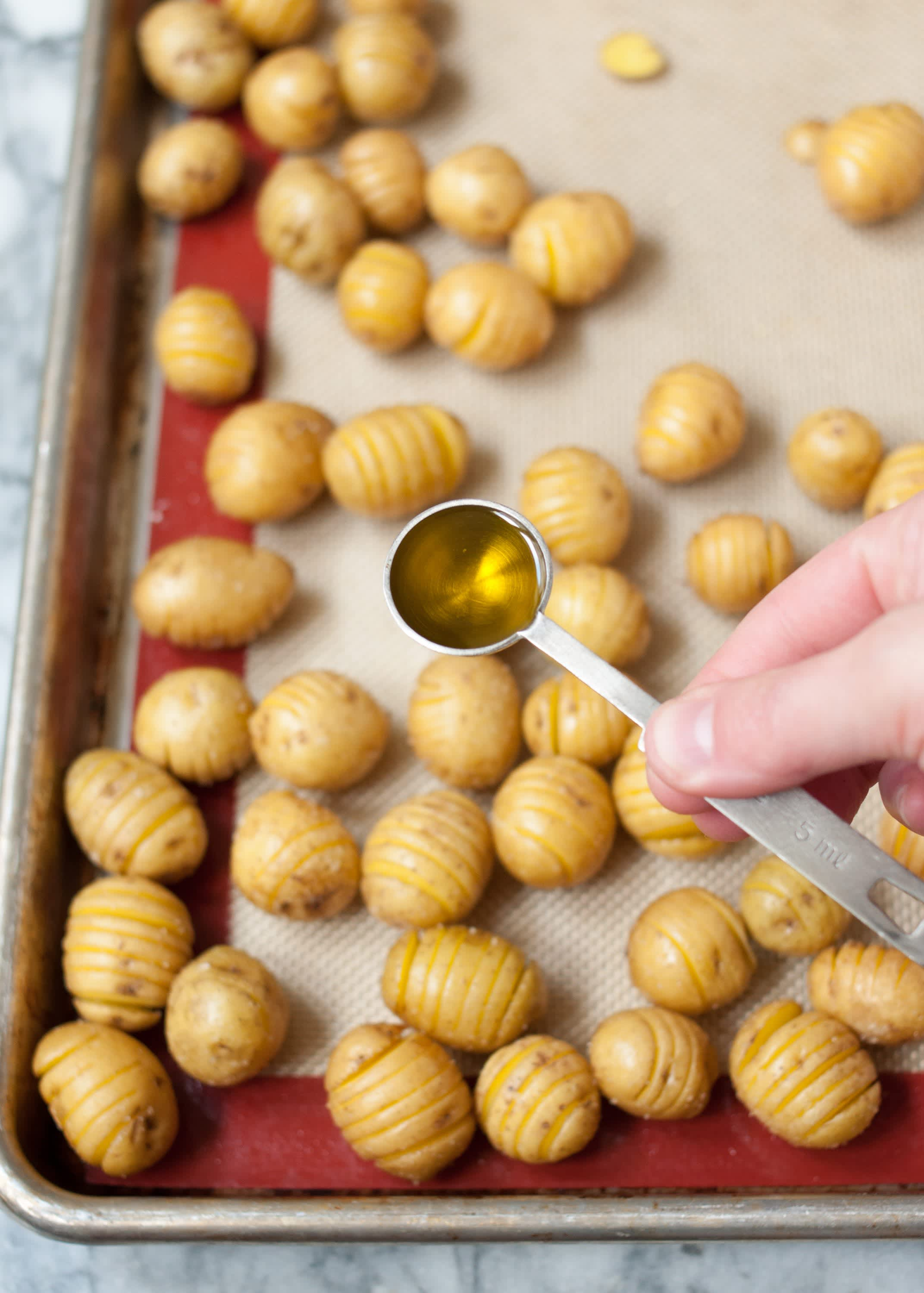 How To Make Hasselback Tater Tots: gallery image 10