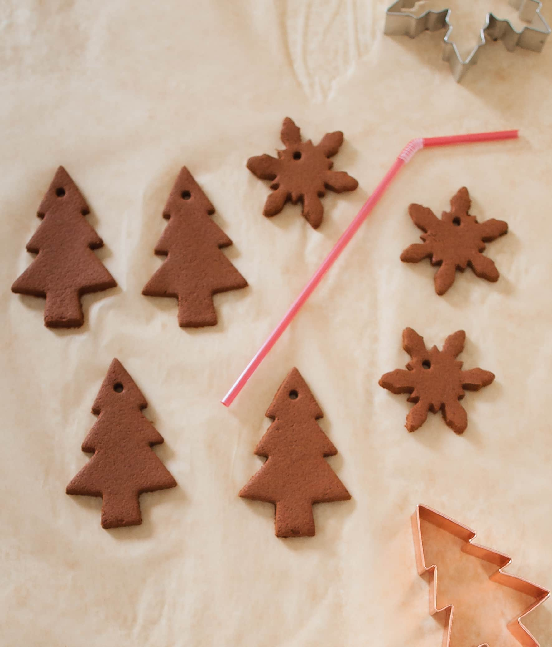 How To Make Cinnamon Dough Ornaments: gallery image 10