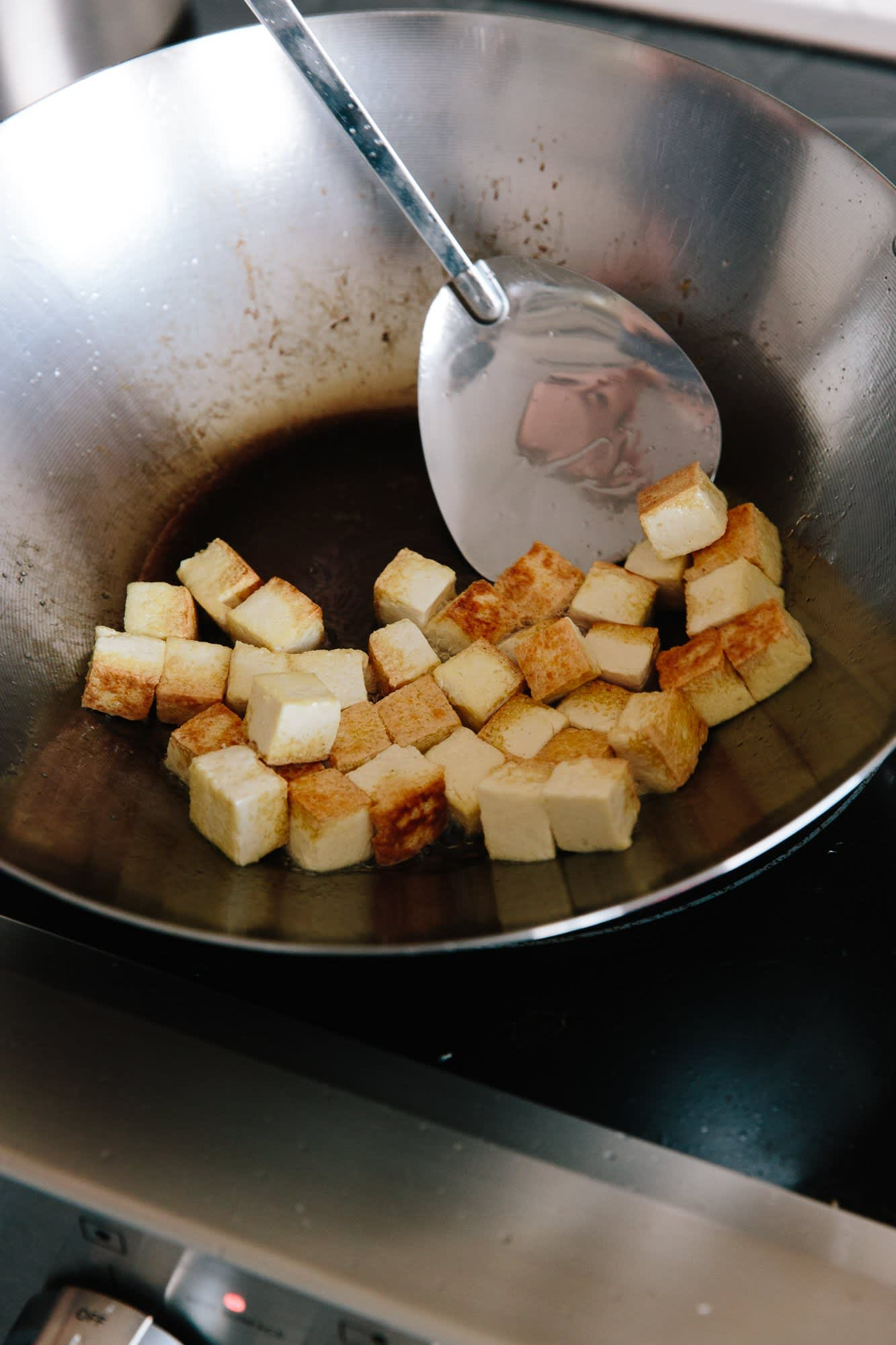 How To Stir-Fry Tofu: gallery image 9