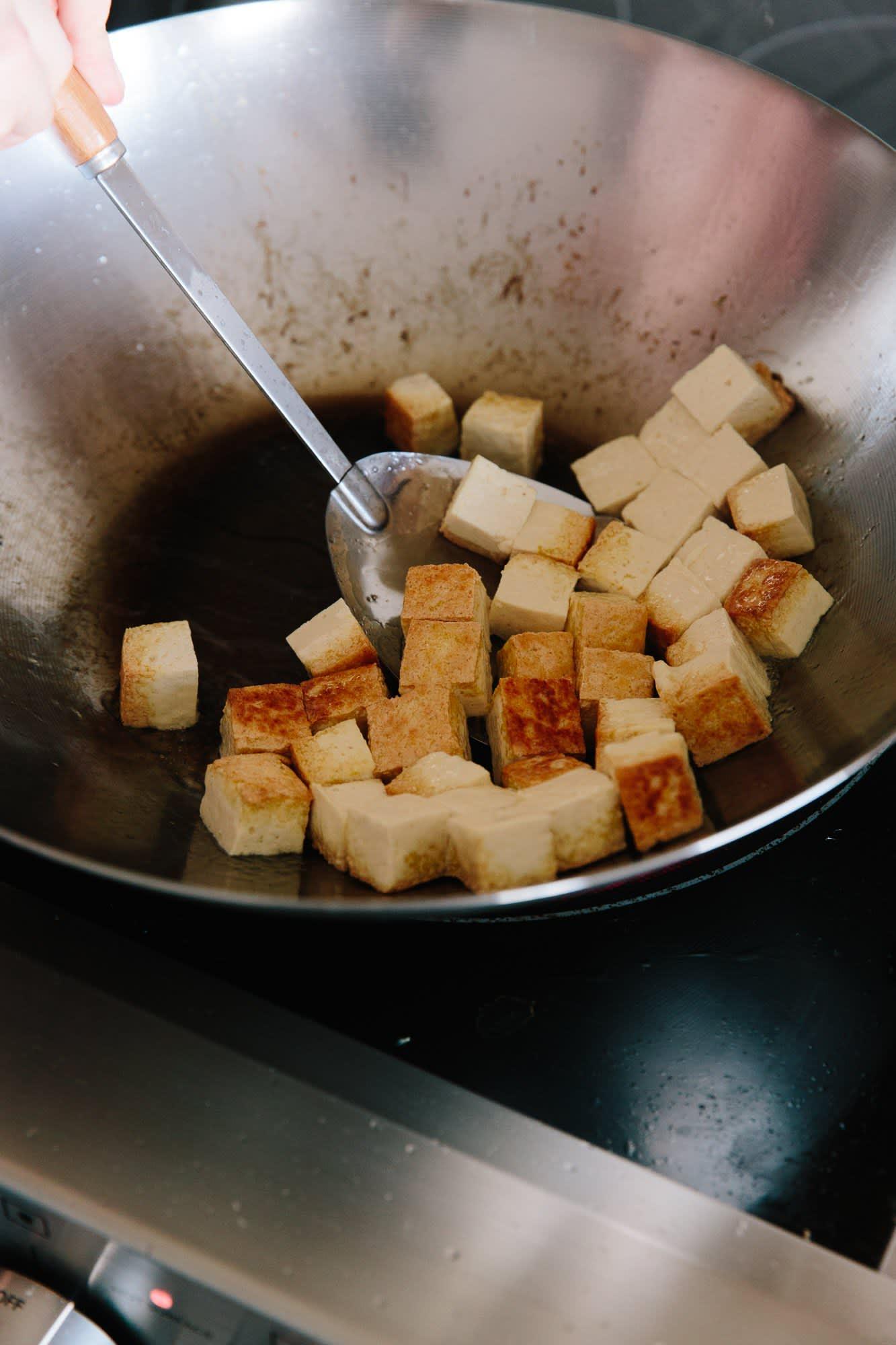 How To Stir-Fry Tofu: gallery image 8