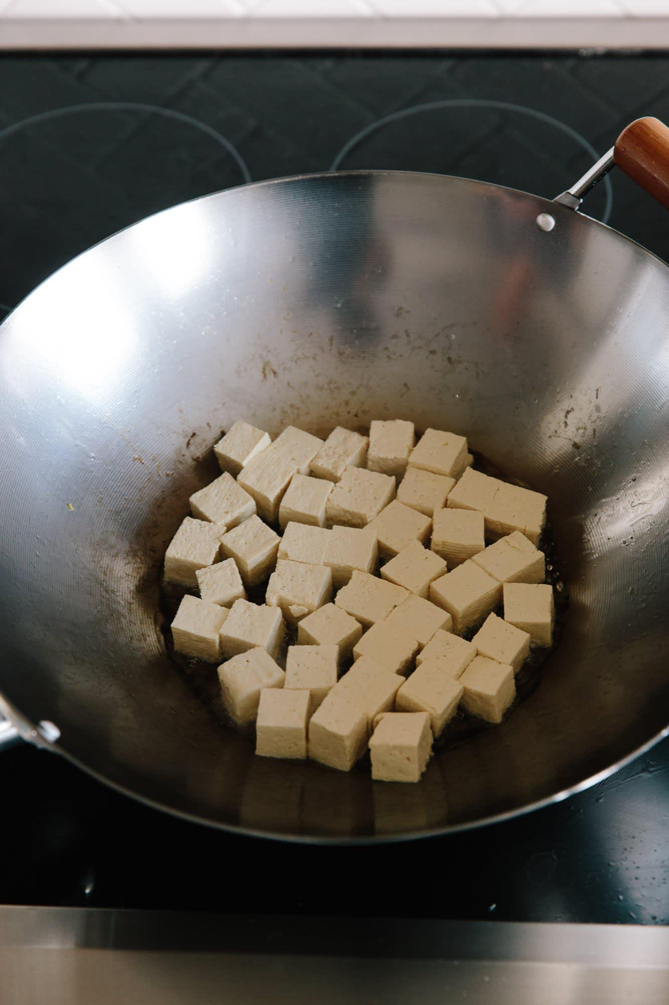 How To Stir-Fry Tofu: gallery image 6