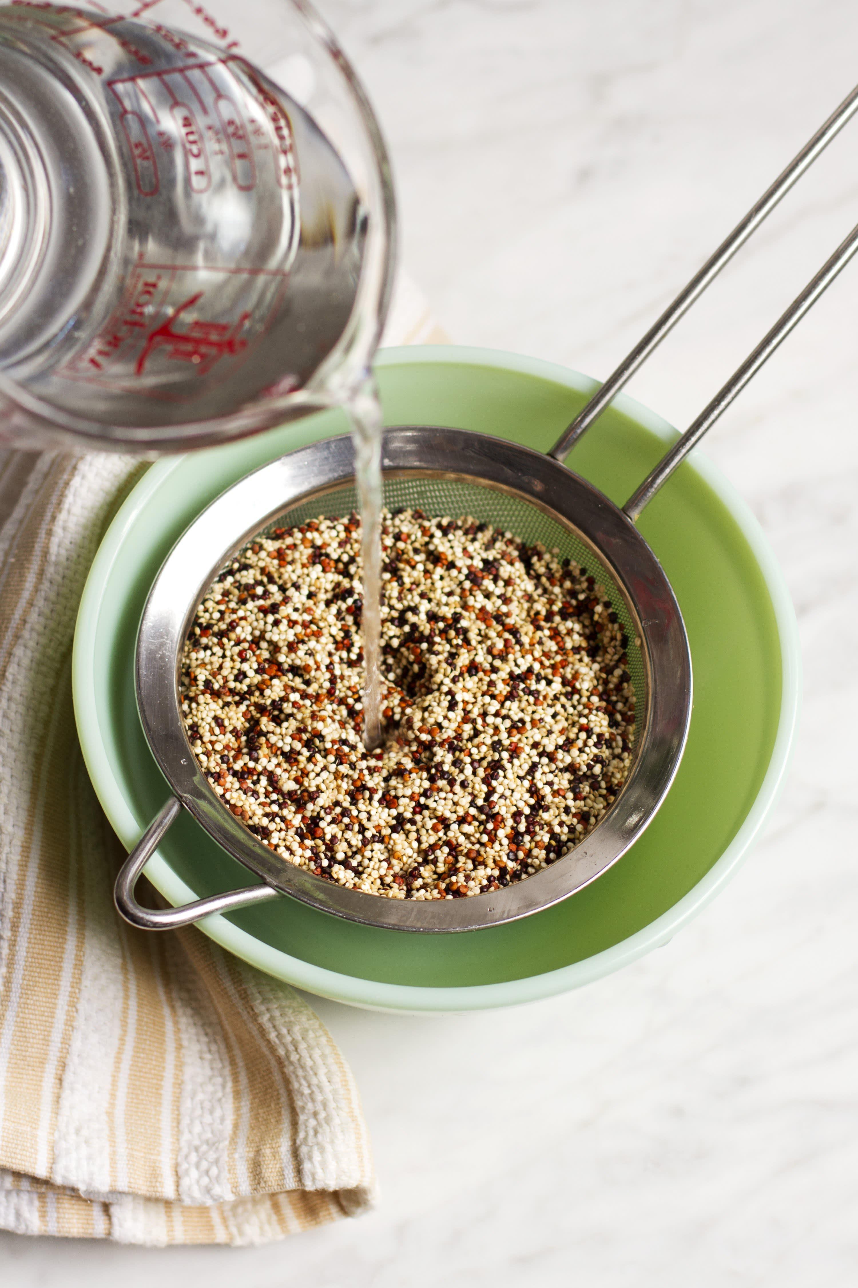 Rinsing Quinoa