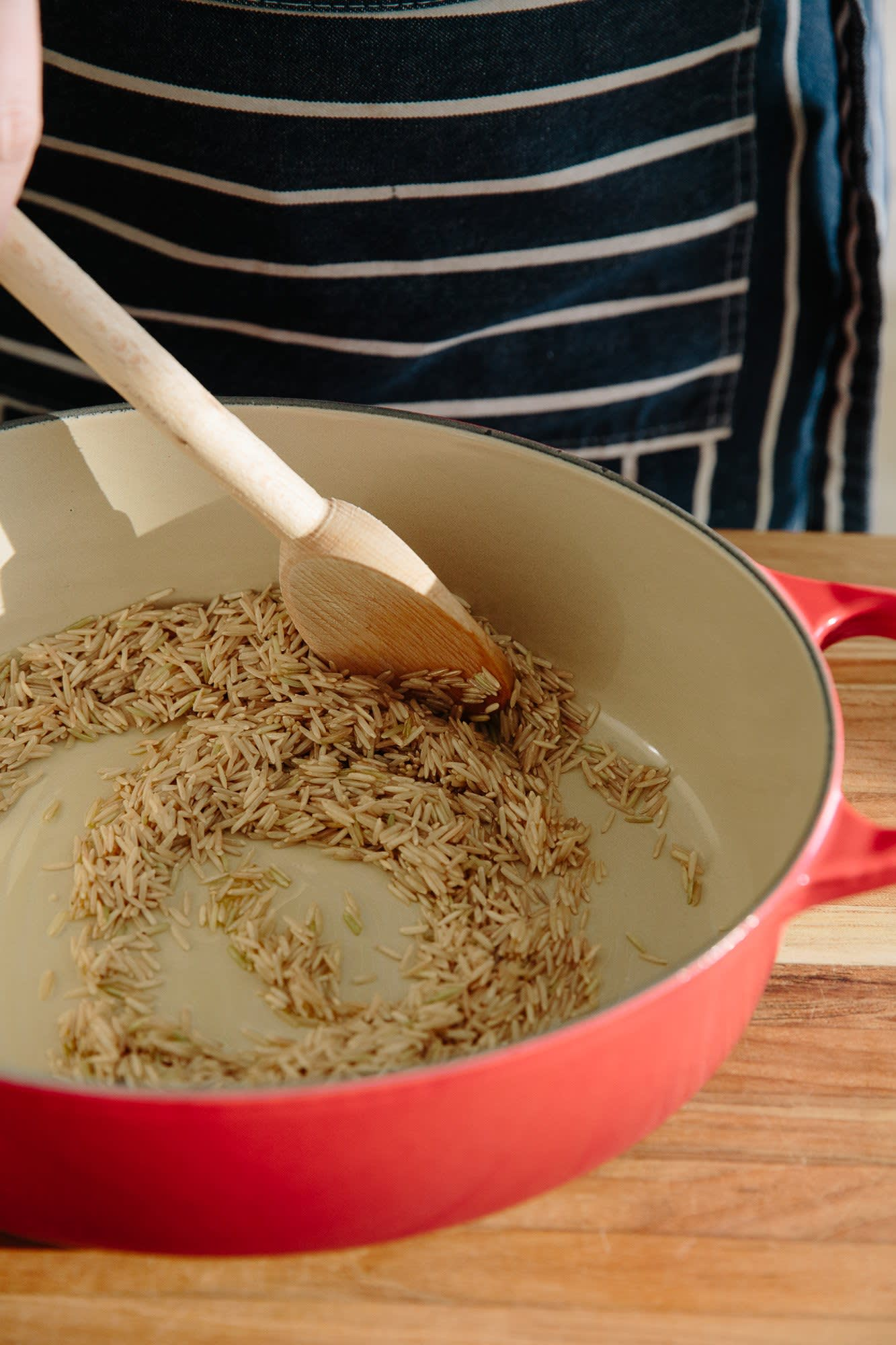 How To Make Easy Brown Rice in the Oven: gallery image 3