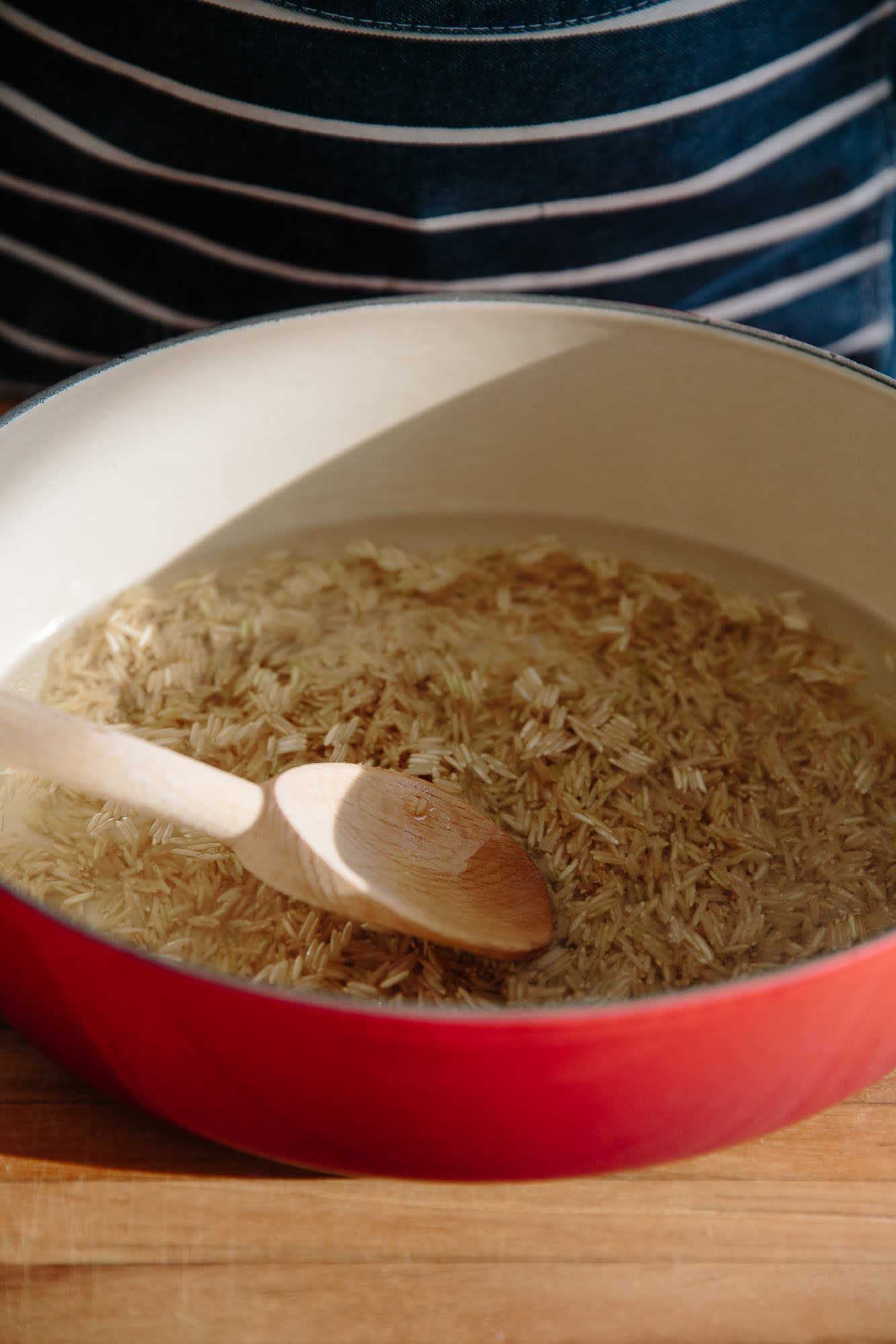 How To Make Easy Brown Rice in the Oven: gallery image 6