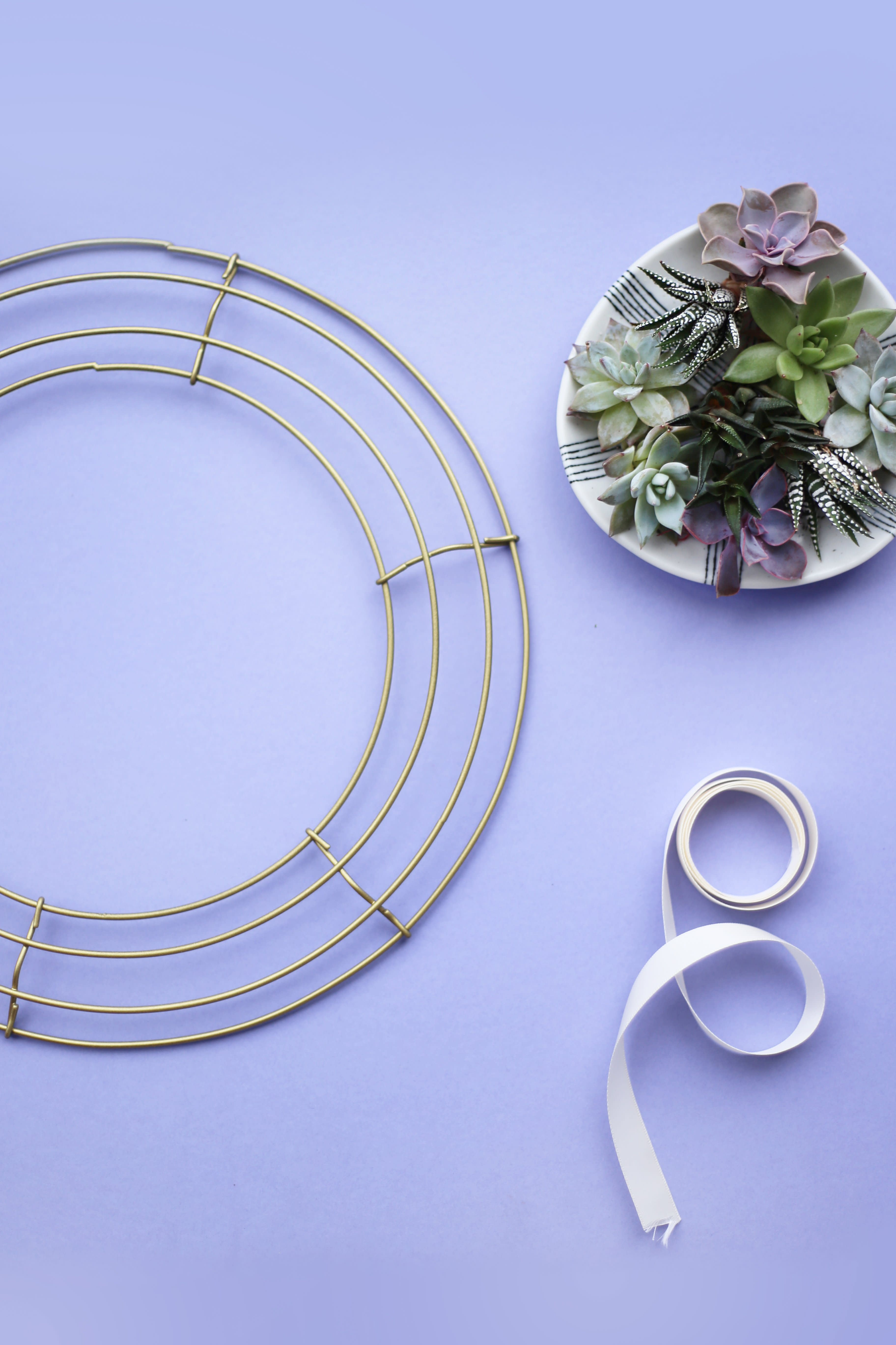 3 DIY Wreaths for Spring: gallery image 3