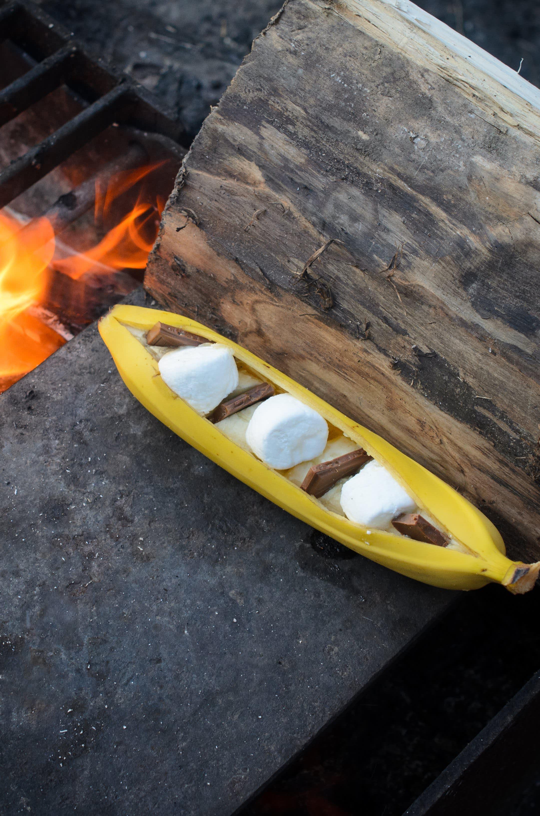 Campfire Banana S'mores