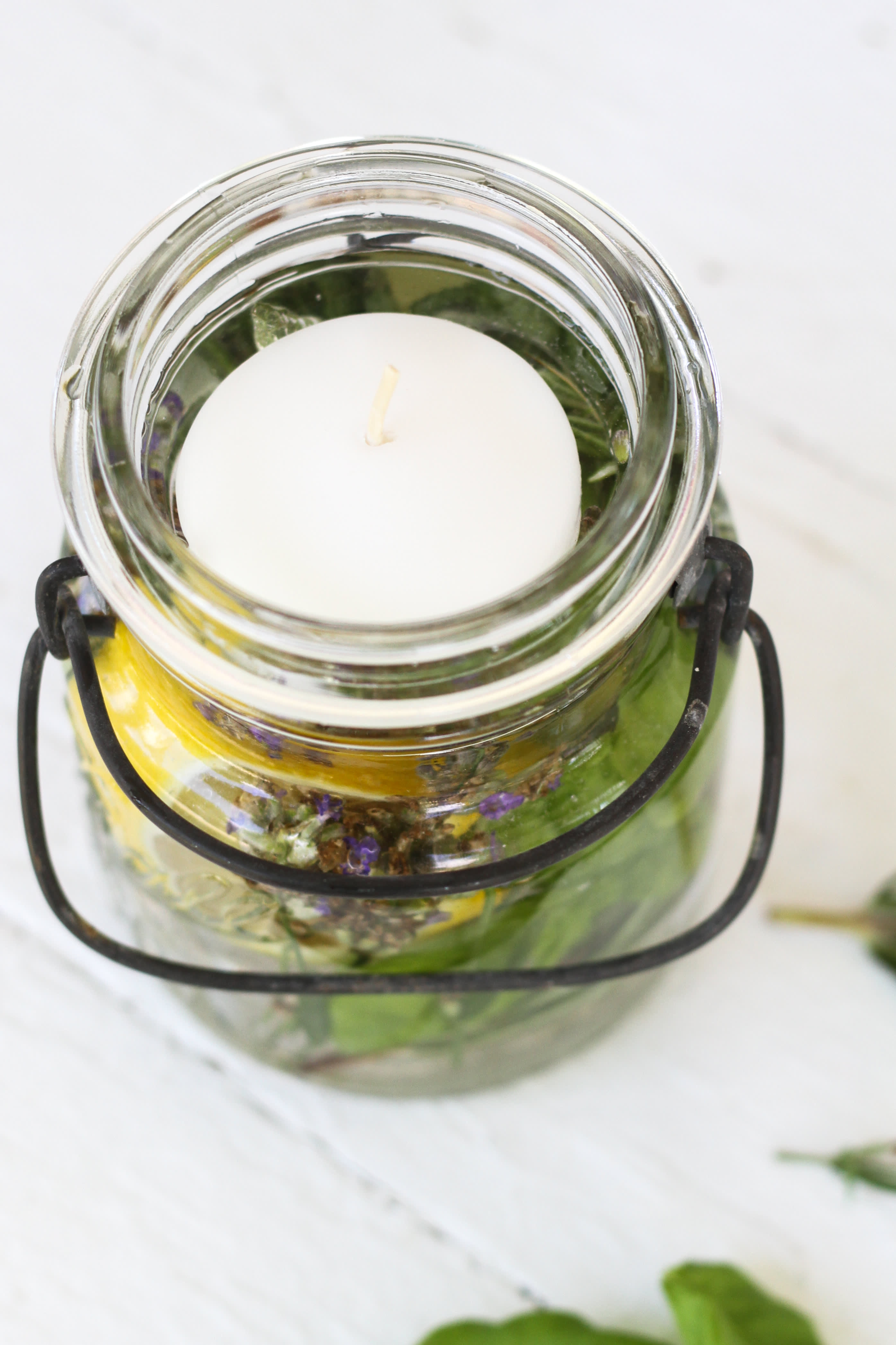 How To Make a Citronella Candle in a Mason Jar: gallery image 4