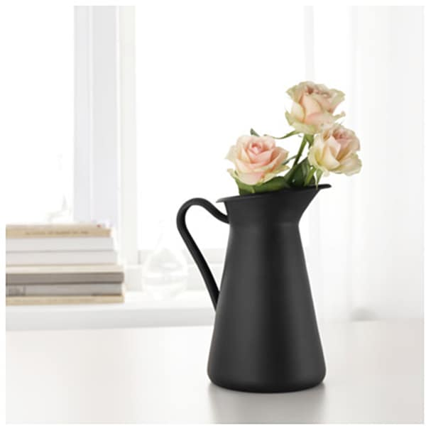 Splurge or Steal: 10 Pretty Pitchers for Summertime: gallery image 9