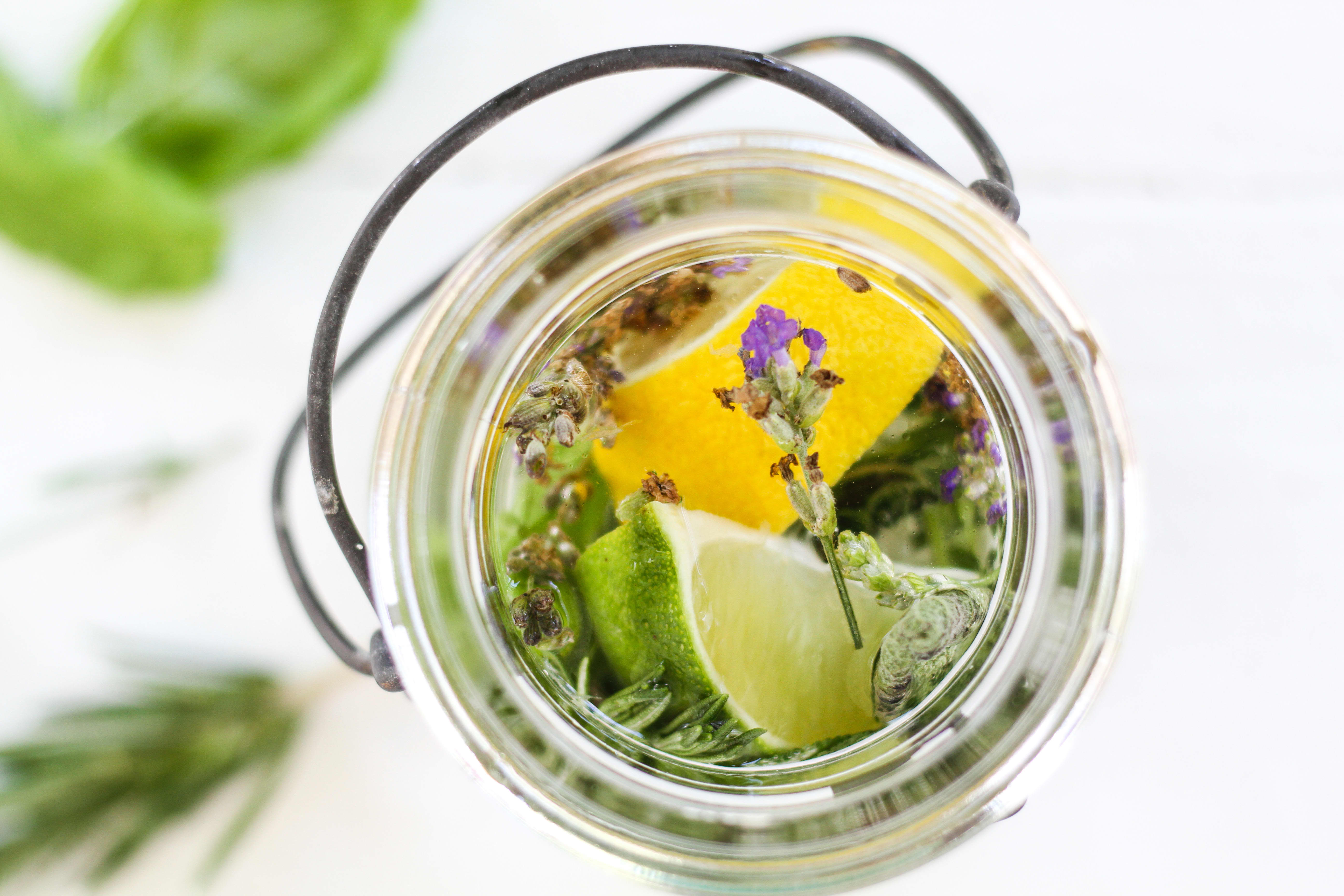 How To Make a Citronella Candle in a Mason Jar: gallery image 3