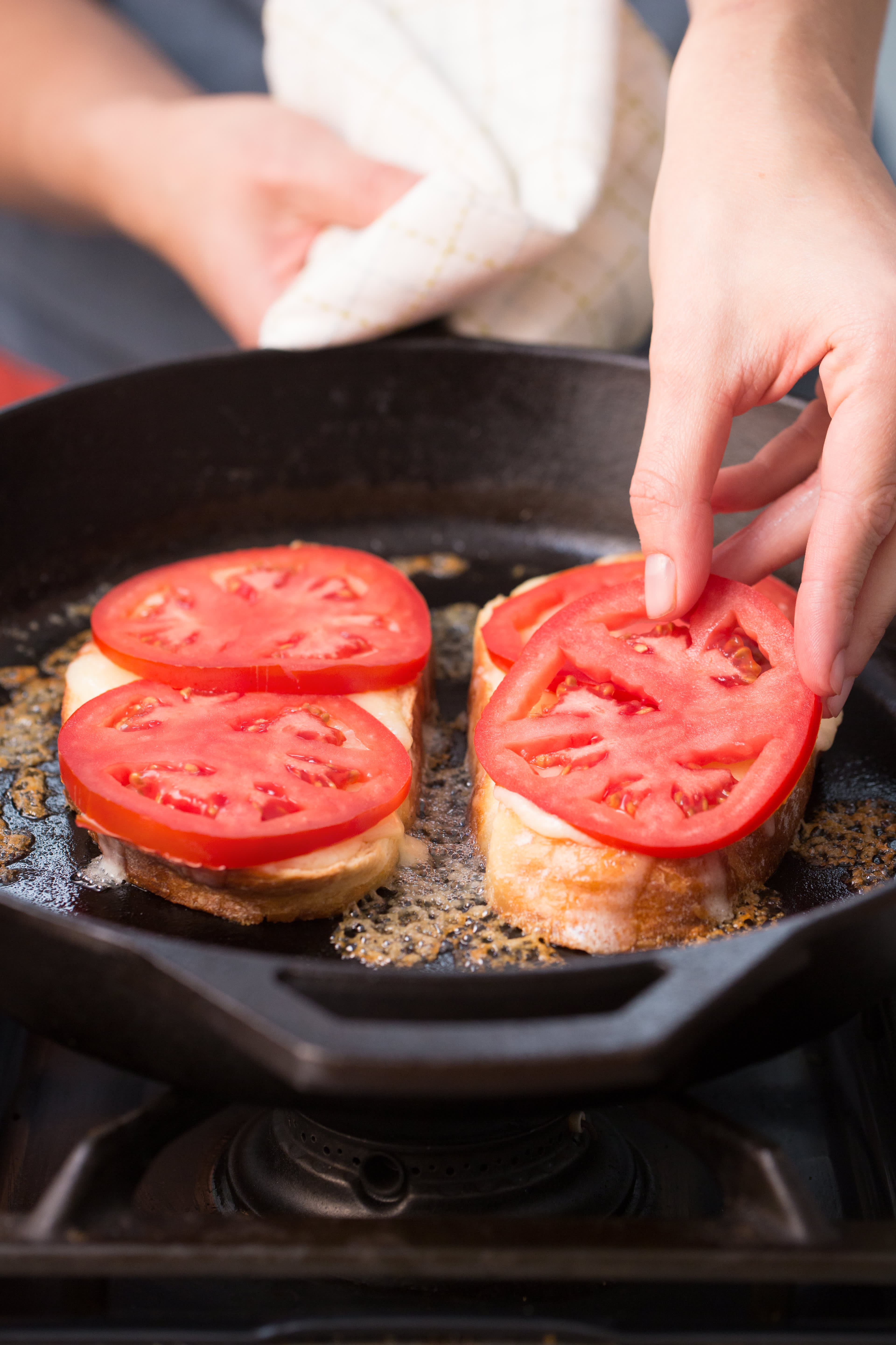 How To Make the Best Tomato Grilled Cheese Sandwich: gallery image 6