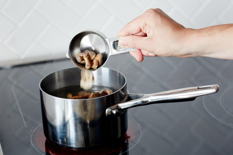 How To Make Kombu Broth (Vegetarian Dashi): gallery image 3