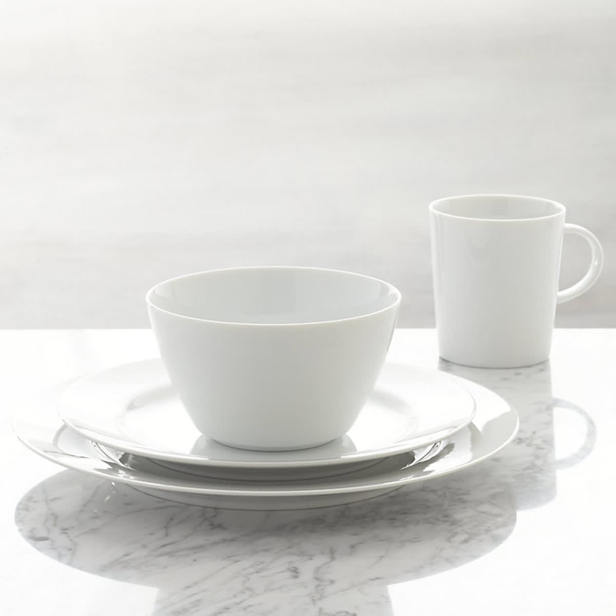 6 Dinnerware Sets That Will Outlast Your Design Whims: gallery image 4