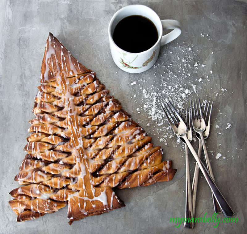 Christmas Tree Cinnamon Roll