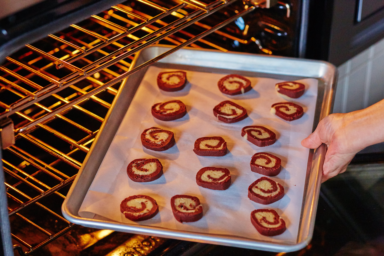 How To Make Pinwheel Sugar Cookies: gallery image 13