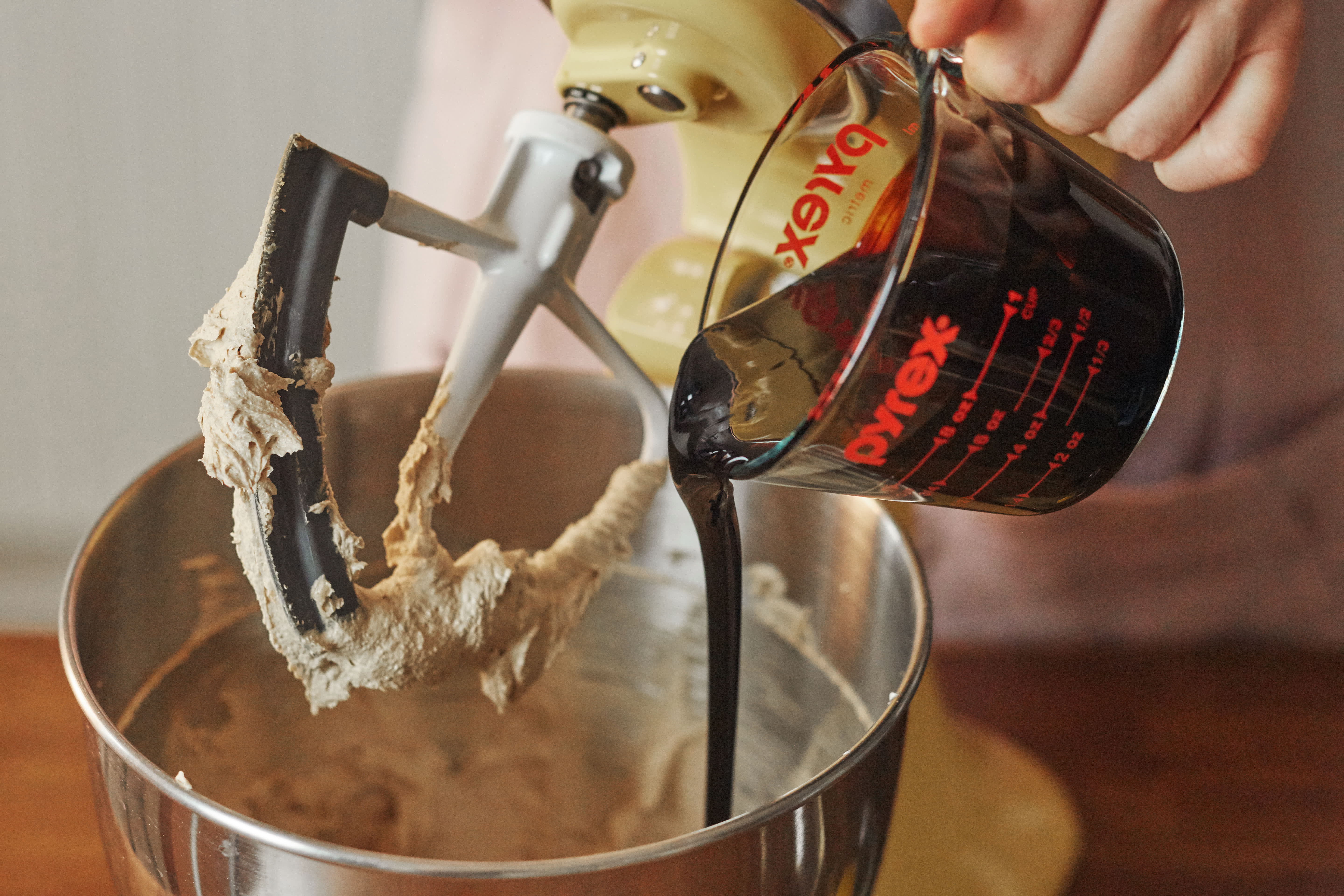 How To Make Gingerbread Cookies: gallery image 3