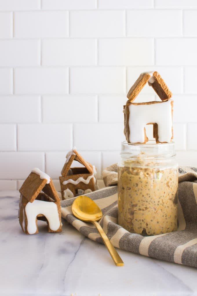Gingerbread Overnight Oats