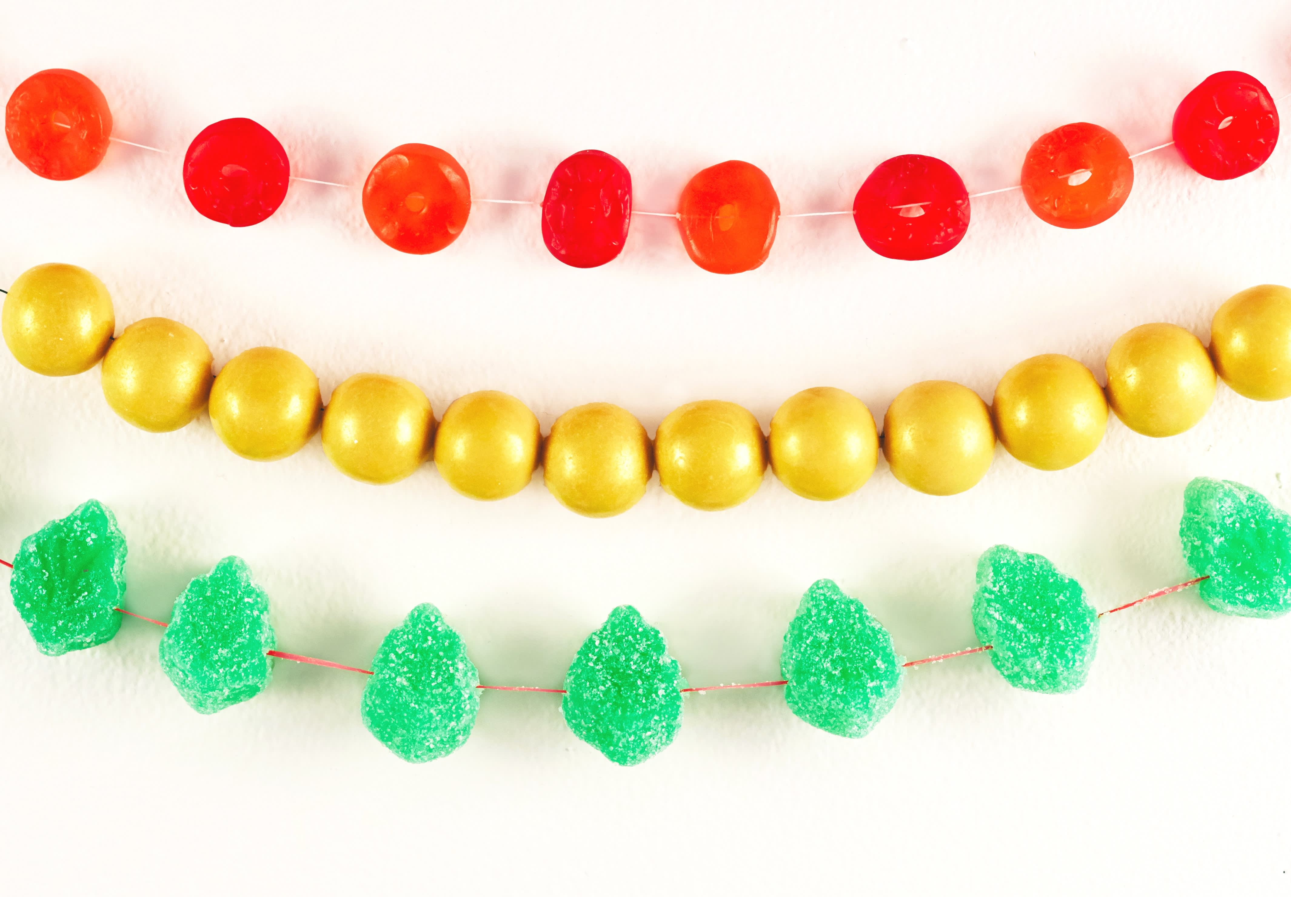 Beyond Popcorn String: Candies for Your Christmas Tree Garland: gallery image 1