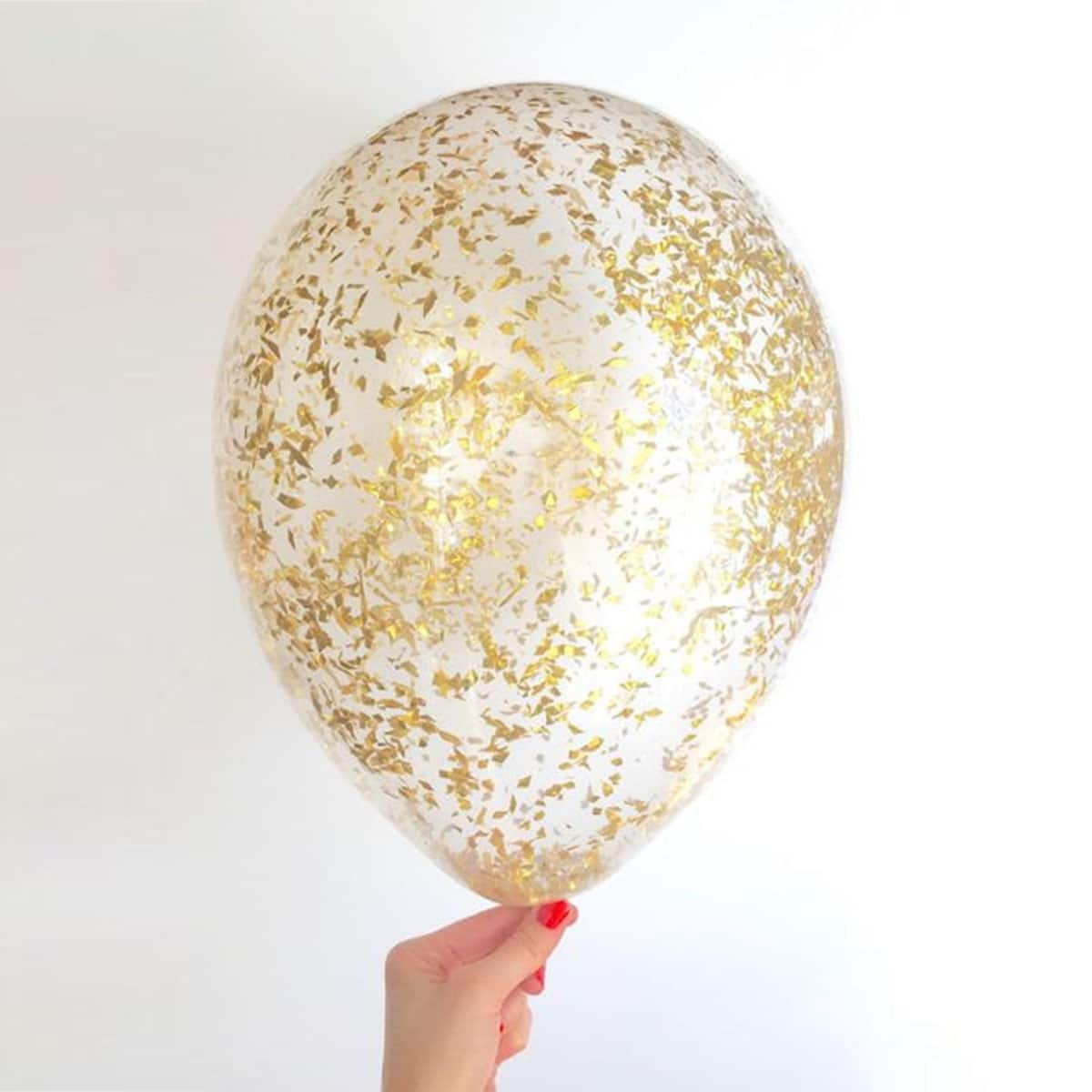 7 Ways to Add Gold to Any Birthday Party: gallery image 4