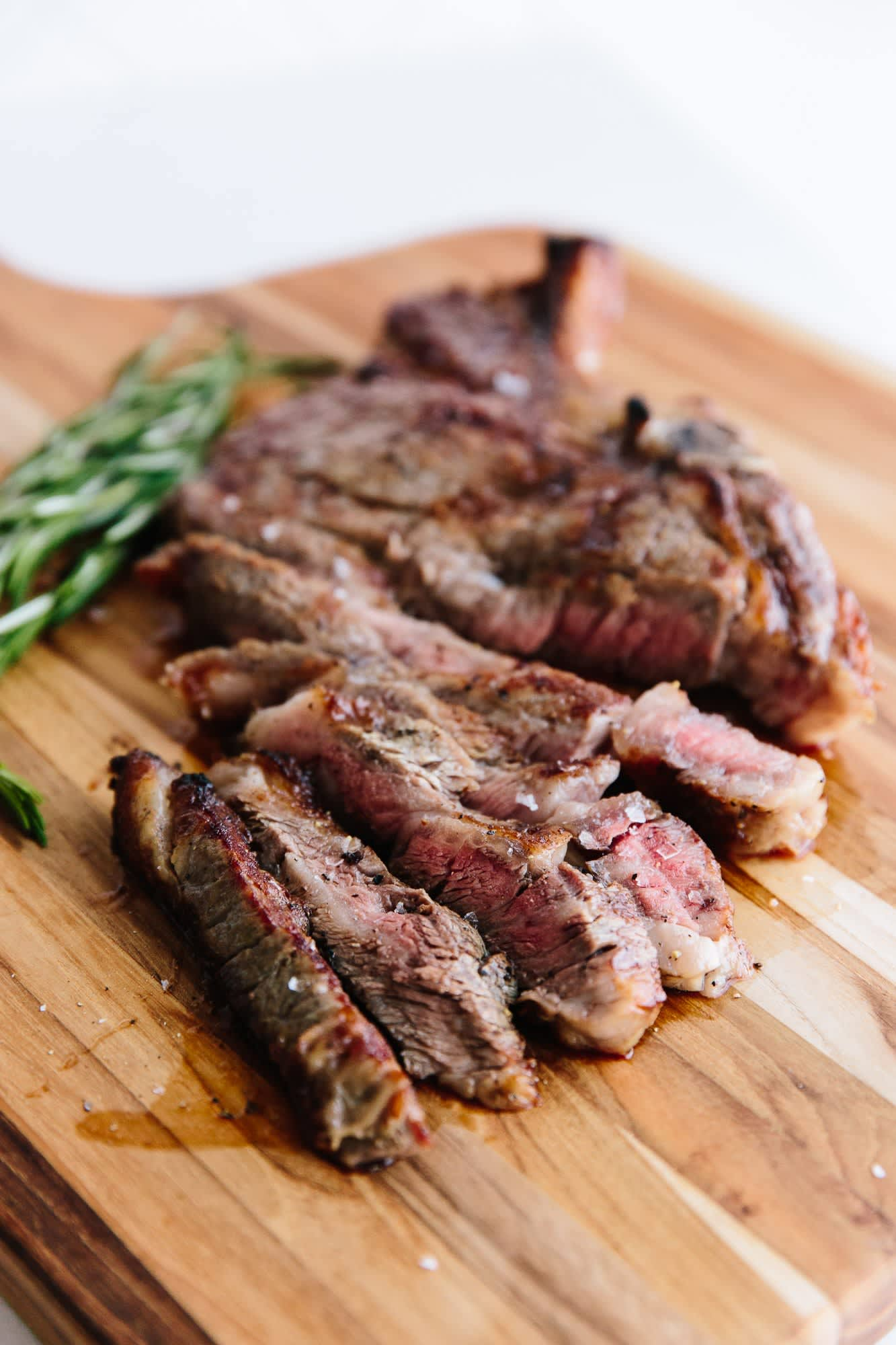 The Very First Thing You Should Do When Cooking Steak: gallery image 2