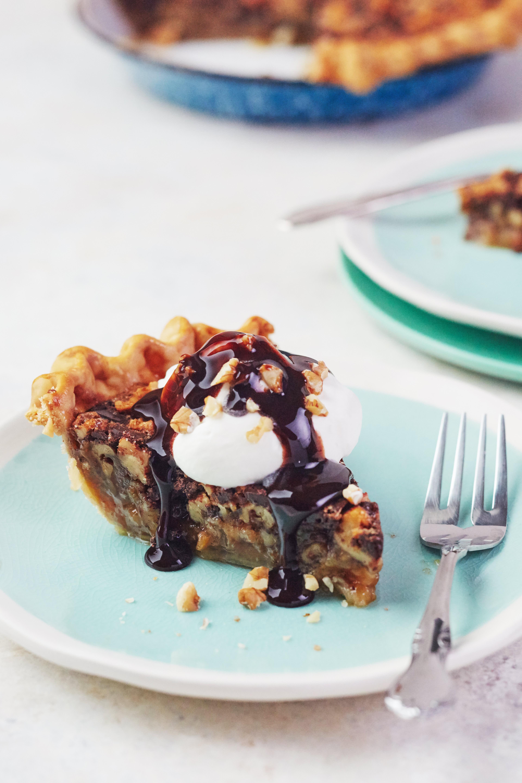 How To Make Kentucky Bourbon and Walnut Pie