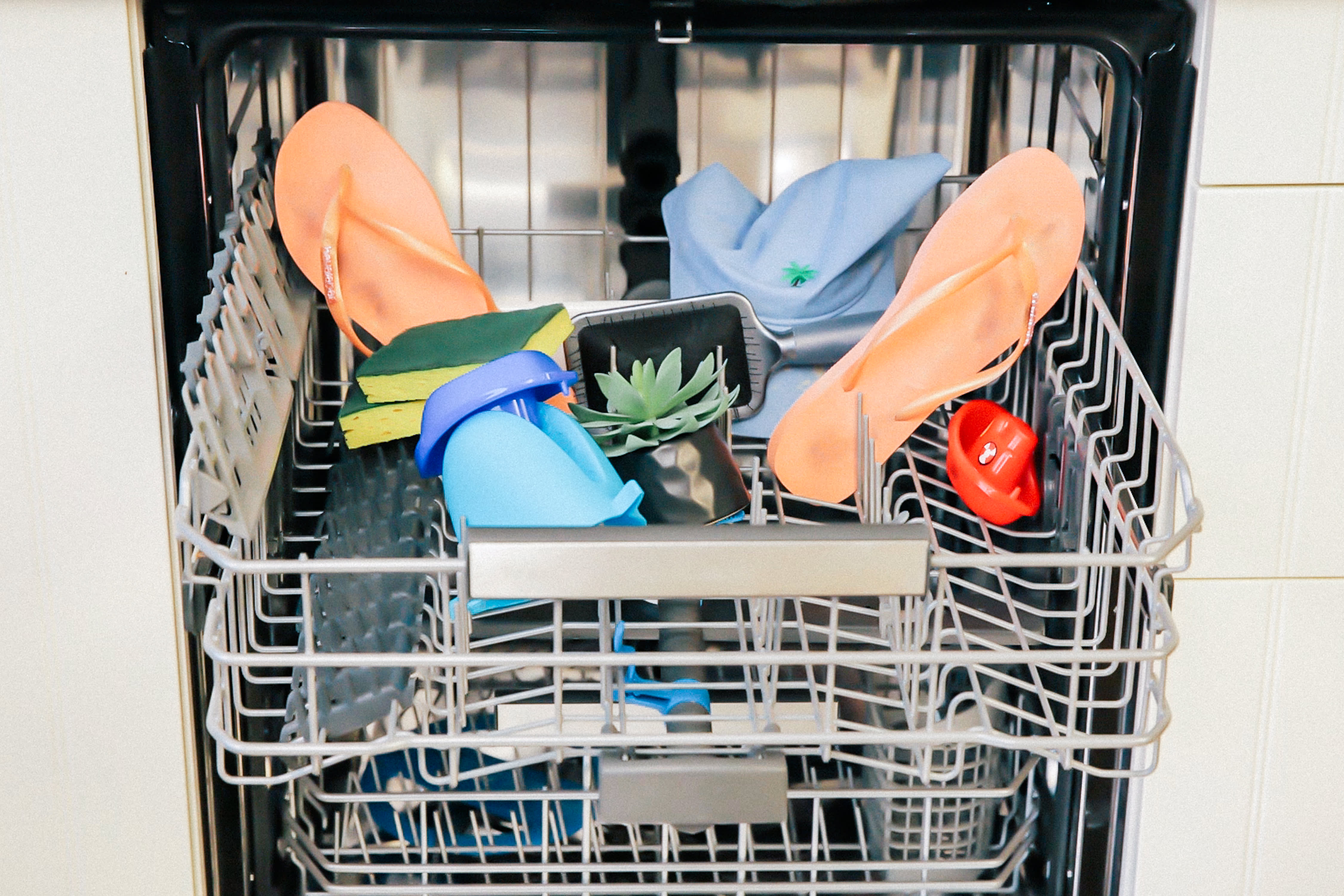 What to clean in the dishwasher