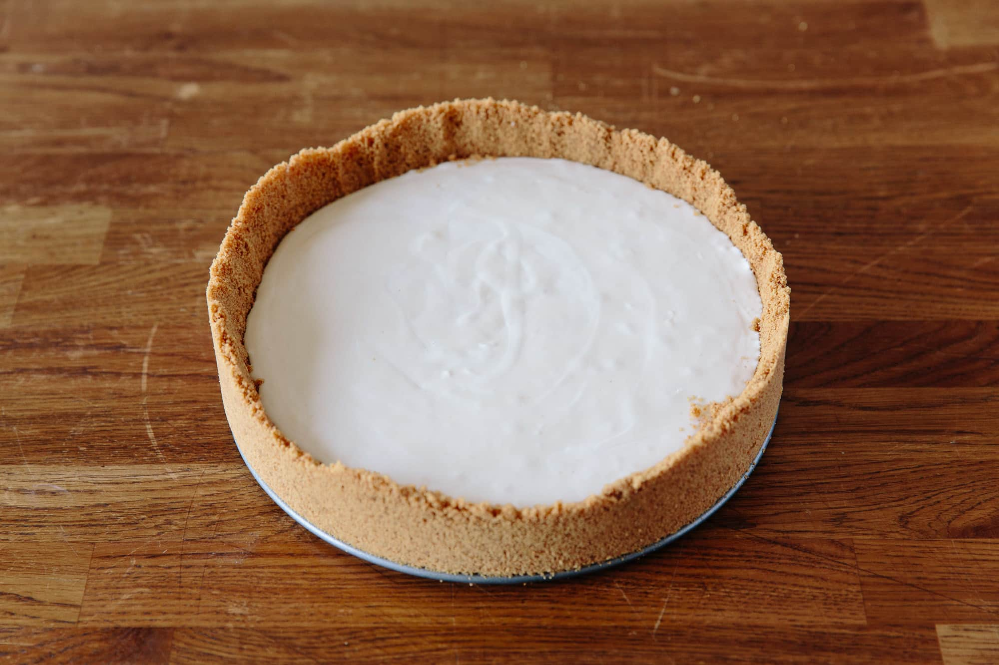 How To Make a No-Bake Cheesecake: gallery image 6