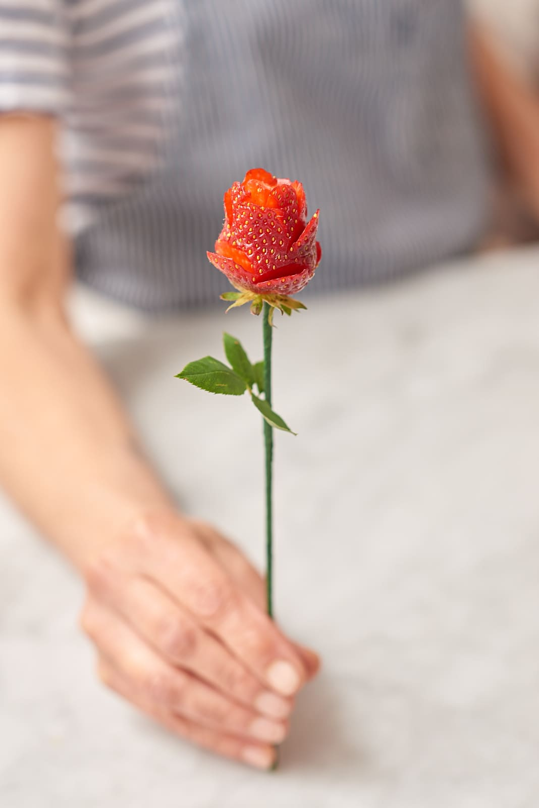 How To Make Strawberry Roses: gallery image 6
