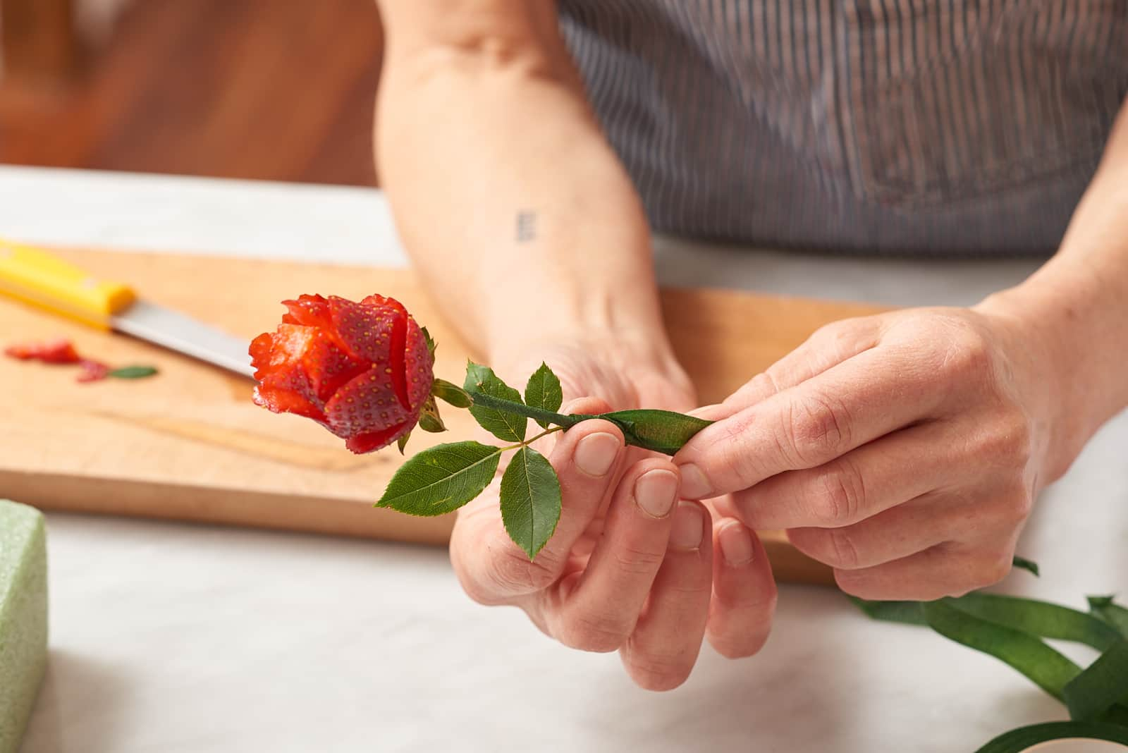 How To Make Strawberry Roses: gallery image 5