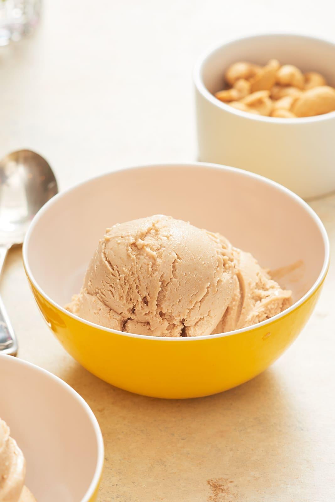 How To Make Vegan Cashew Ice Cream: gallery image 3