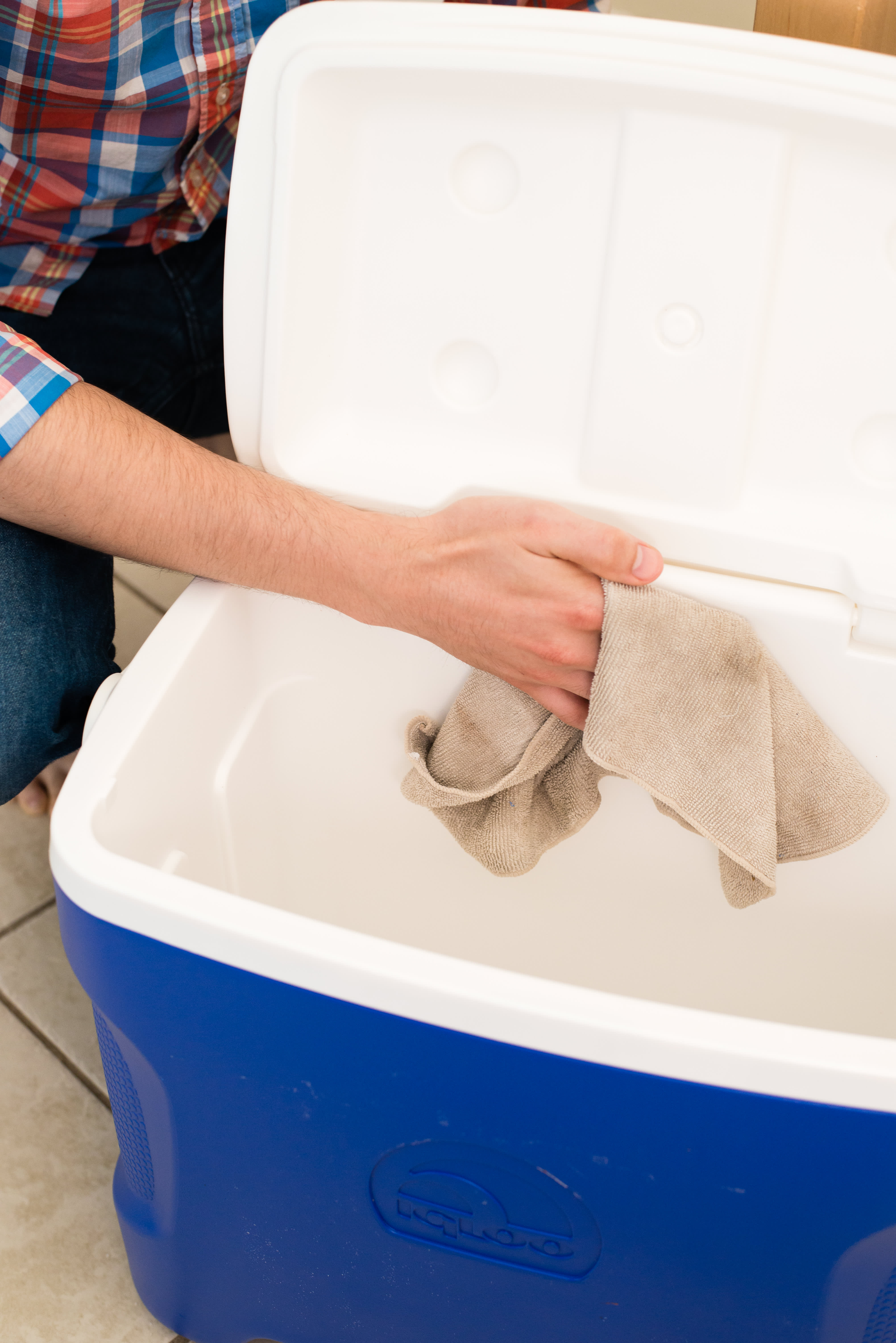 How To Clean Your Cooler: gallery image 6