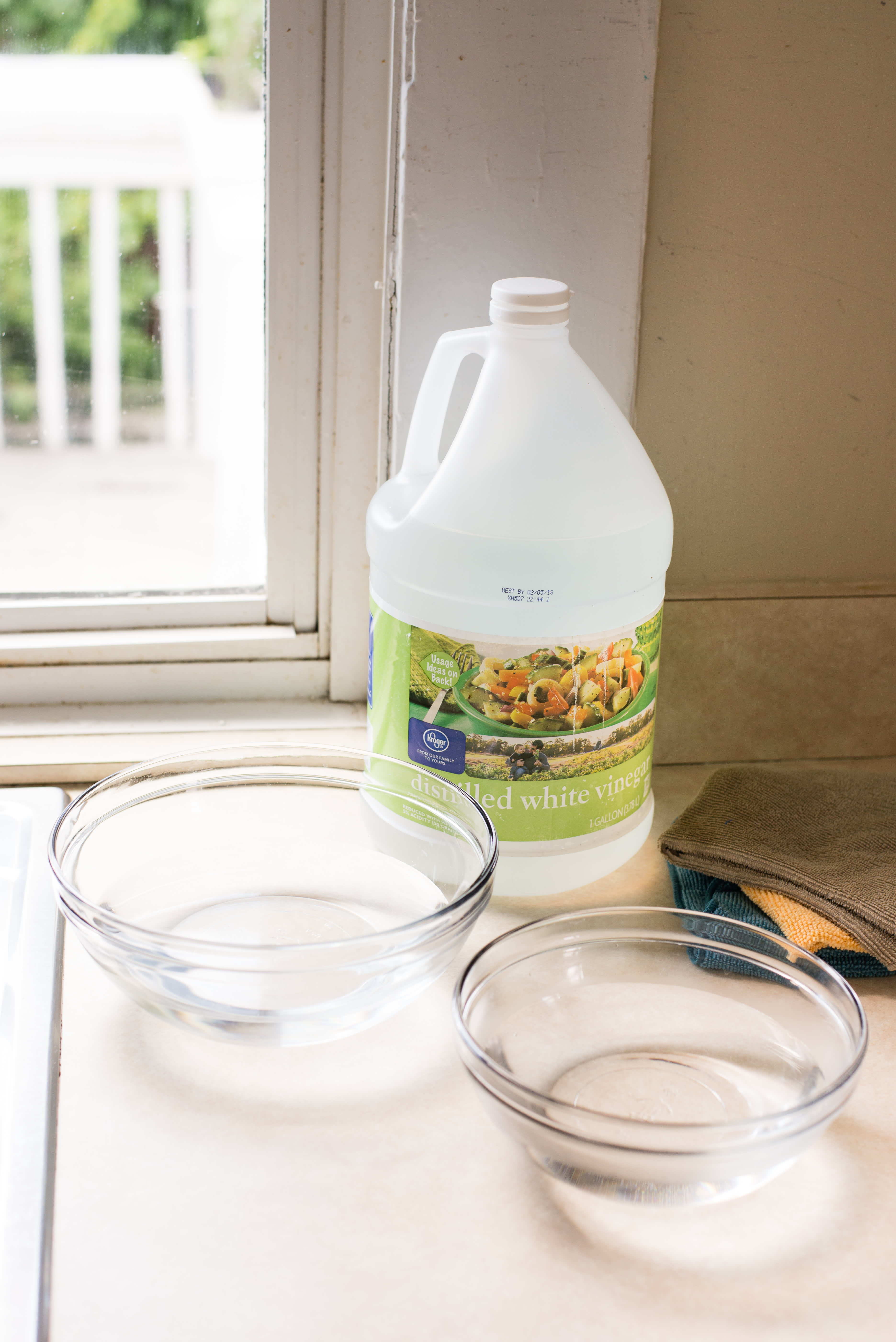 How To Clean Your Kitchen Sink Sprayer: gallery image 1