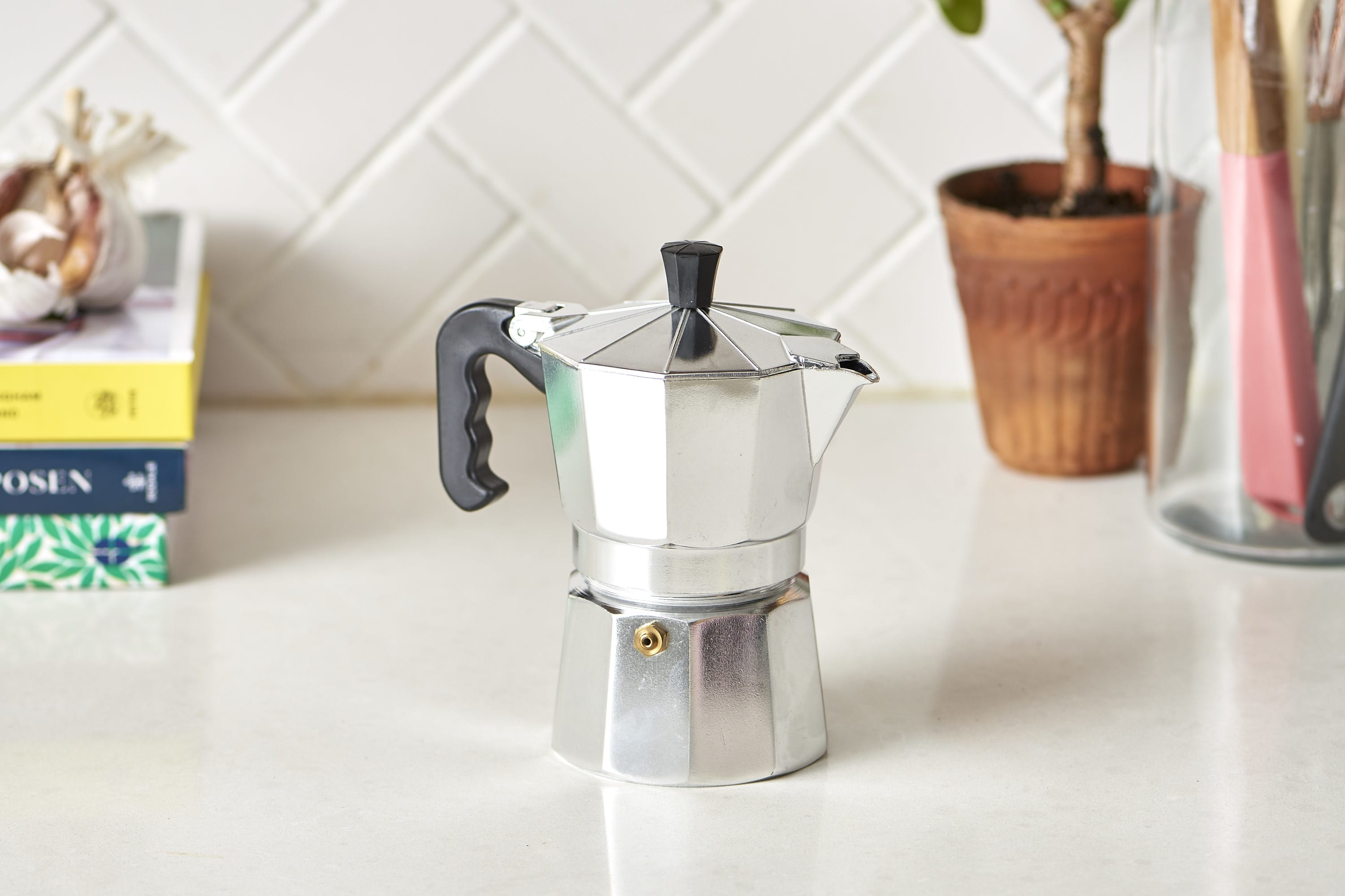 How To Clean a Moka Pot: gallery image 5