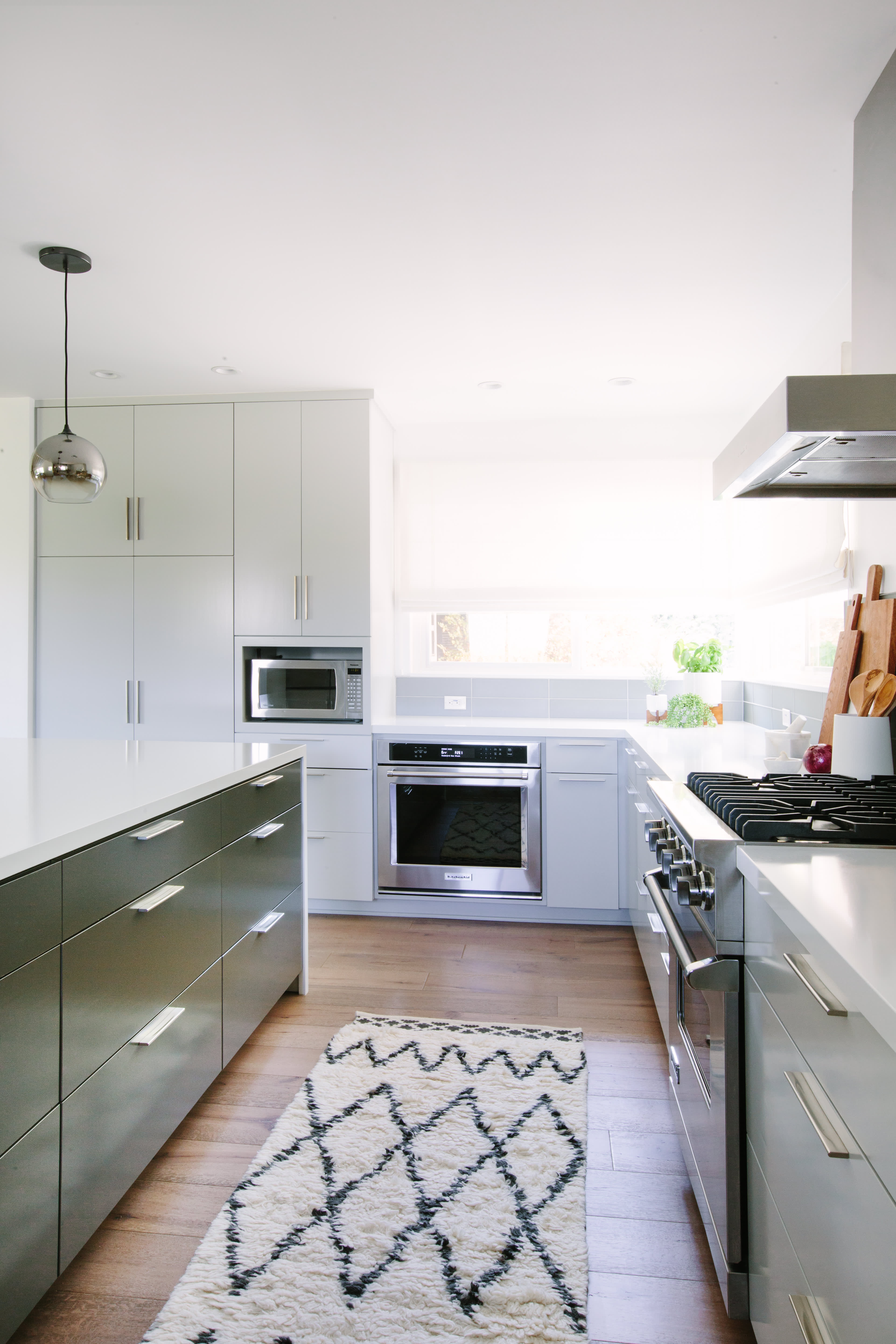 You Won't Recognize This Dated Suburban Kitchen After Its Renovation: gallery image 3