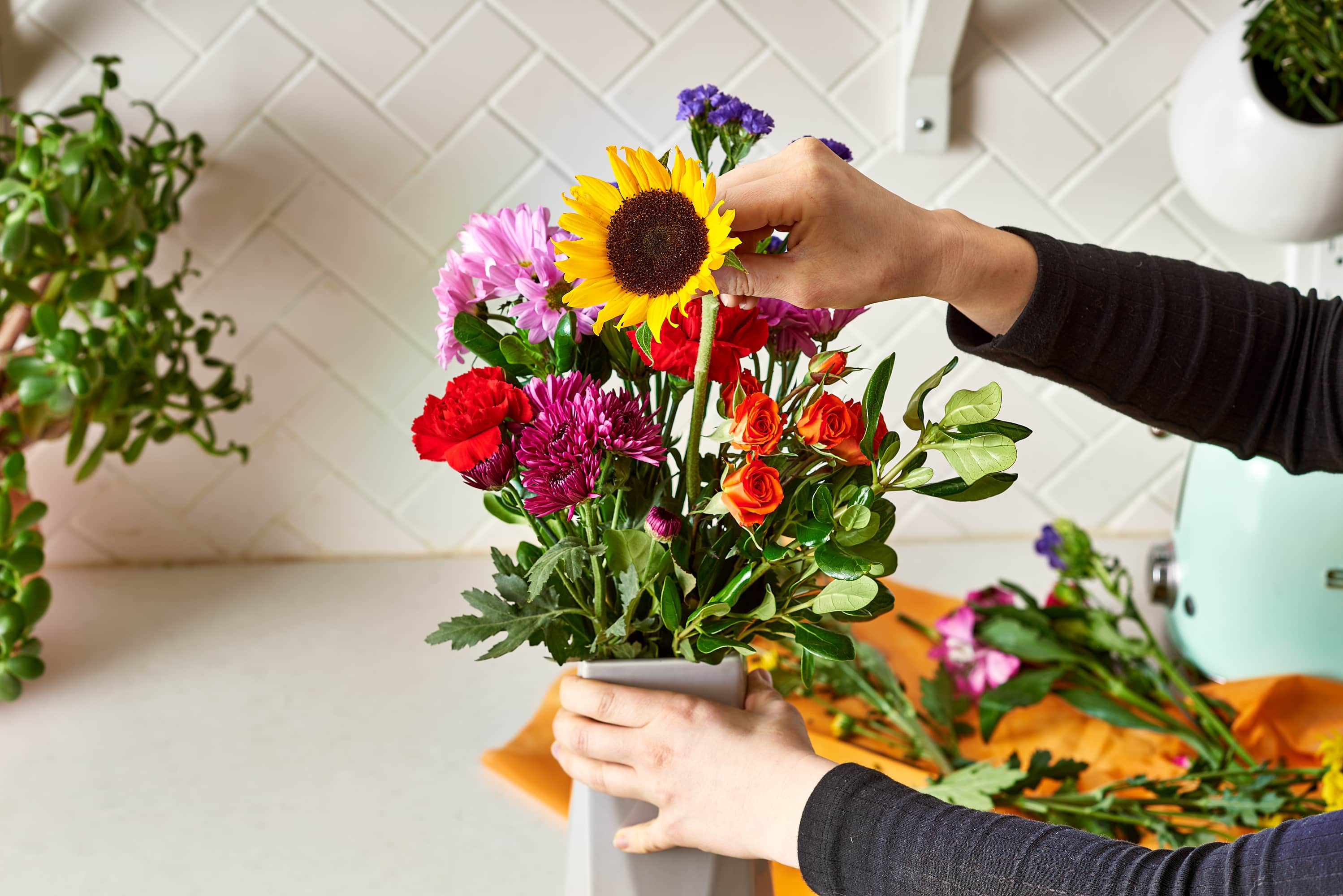Make a Cheap Grocery Store Bouquet Look Like a Million Bucks: gallery image 8