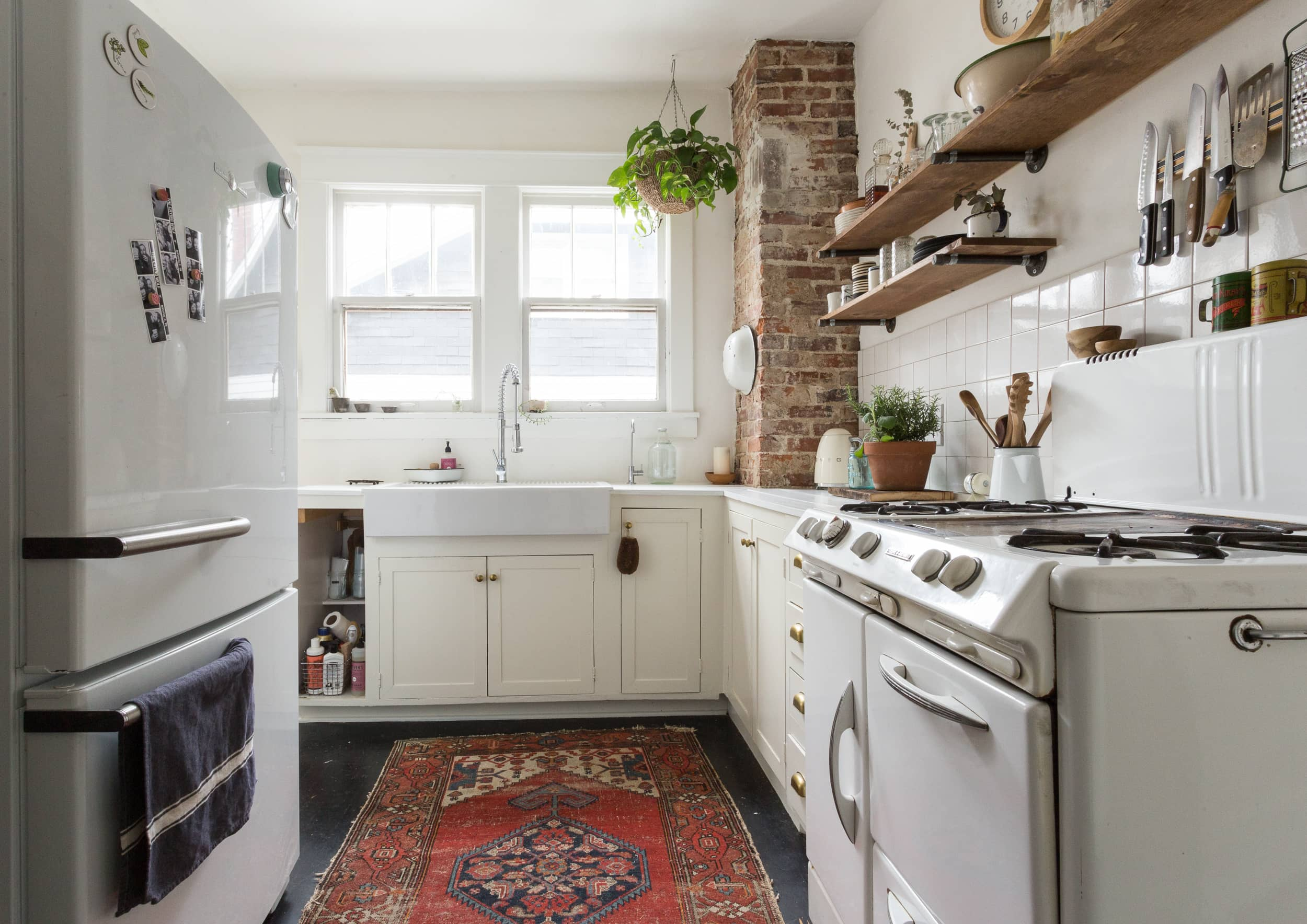 4 Things To Consider When Choosing A Beautiful Yet Practical Rug For