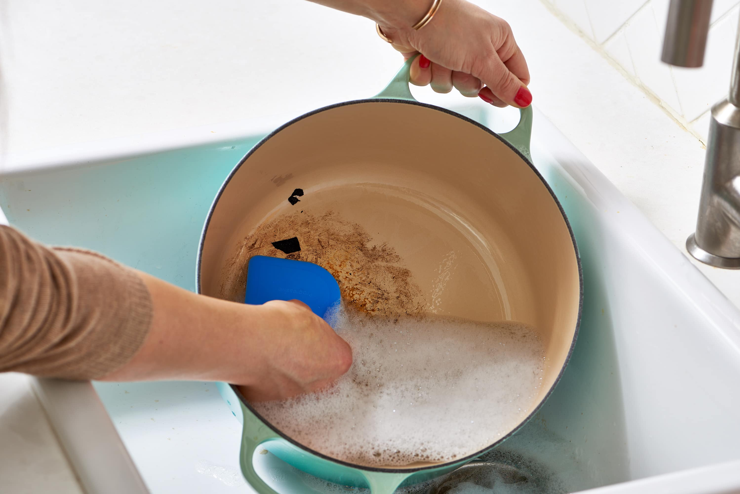 How To Clean Your Enameled Cast Iron Dutch Oven: gallery image 2