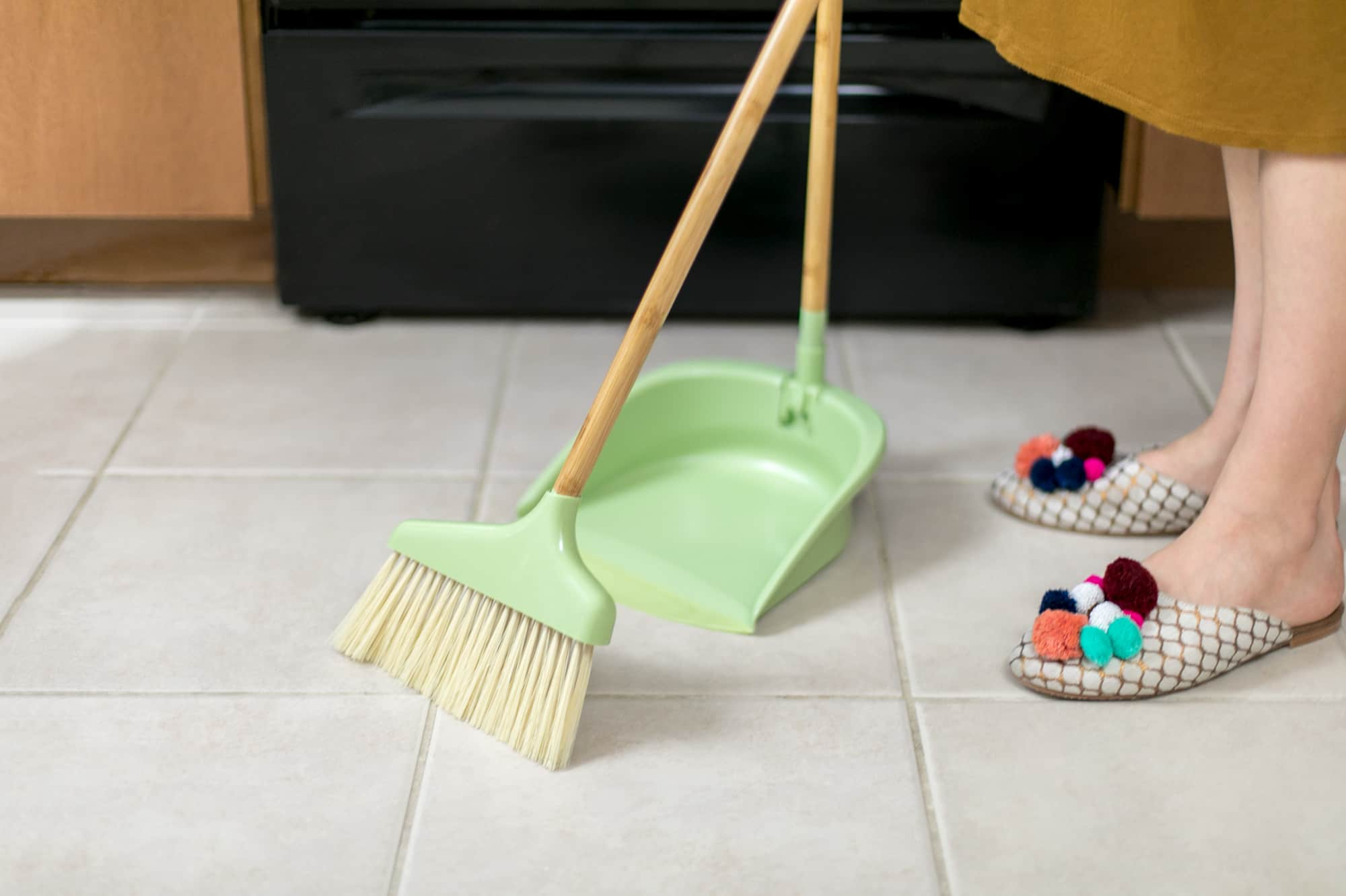How To Clean Porcelain and Ceramic Tile Floors: gallery image 1