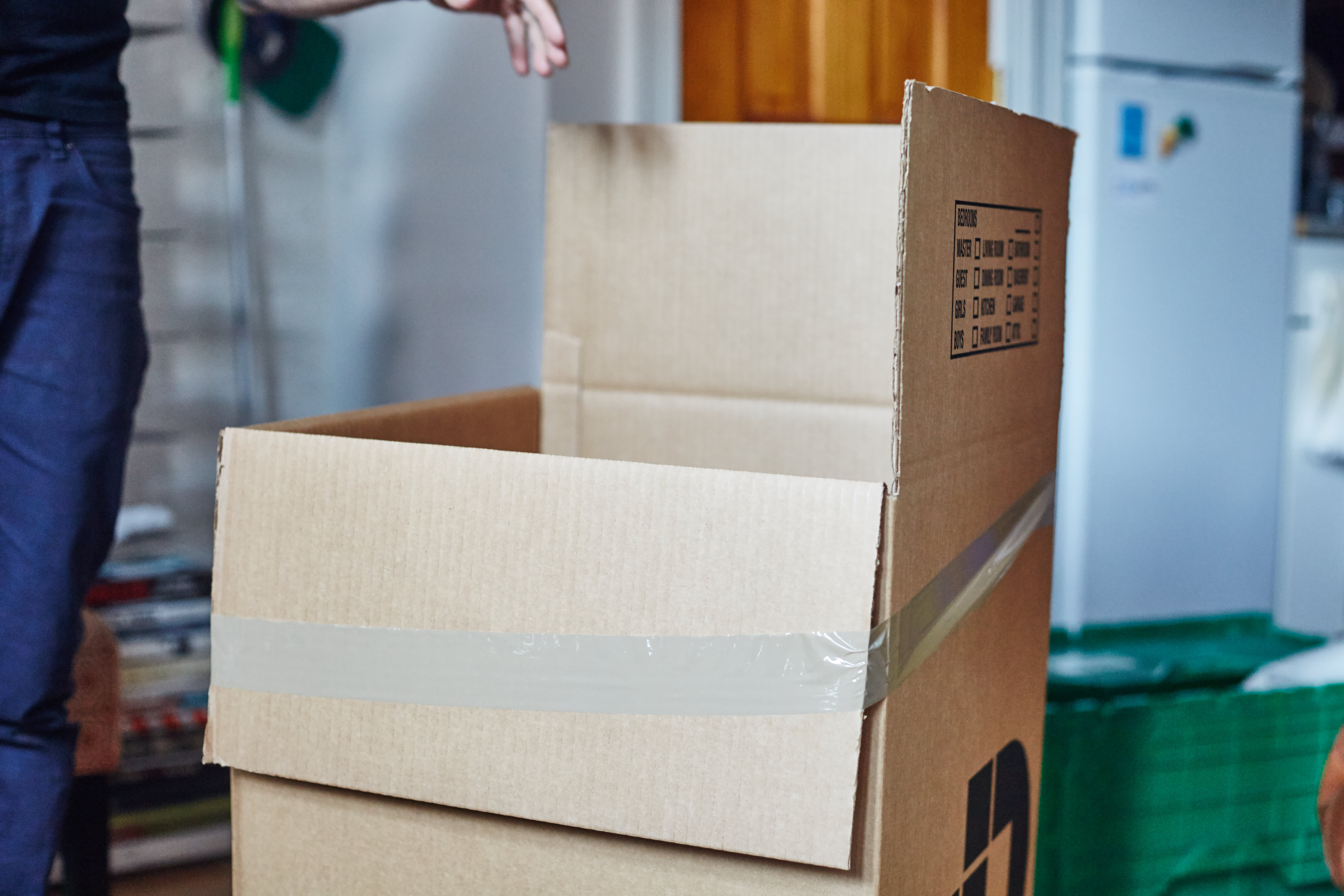 How To Pack Dishes and Glasses for a Move: gallery image 2